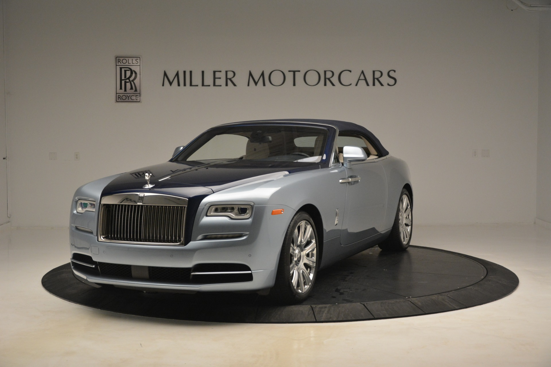 Used 2016 Rolls-Royce Dawn  For Sale In Greenwich, CT. Alfa Romeo of Greenwich, 7585 3217_p11
