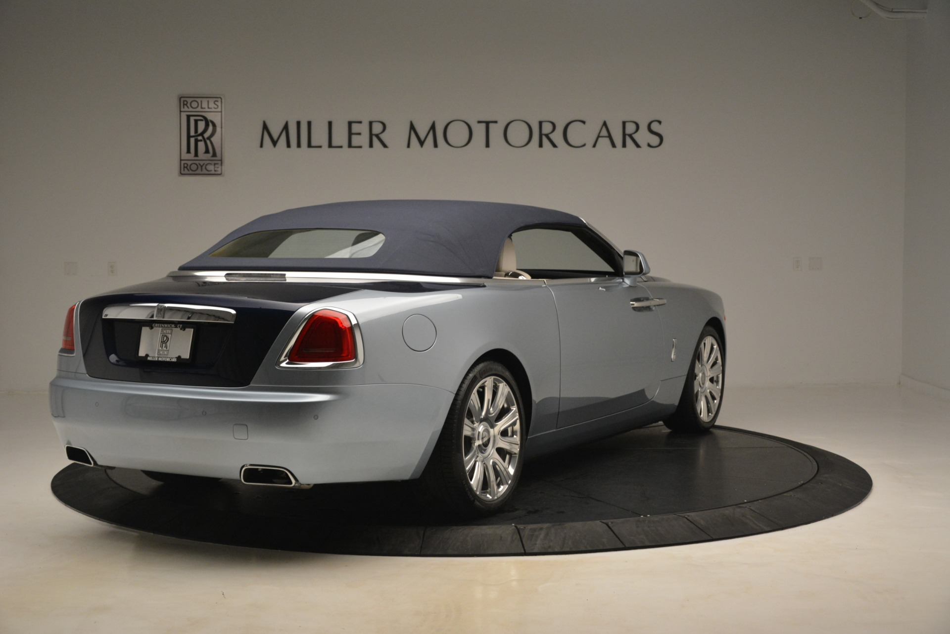 Used 2016 Rolls-Royce Dawn  For Sale In Greenwich, CT. Alfa Romeo of Greenwich, 7585 3217_p14
