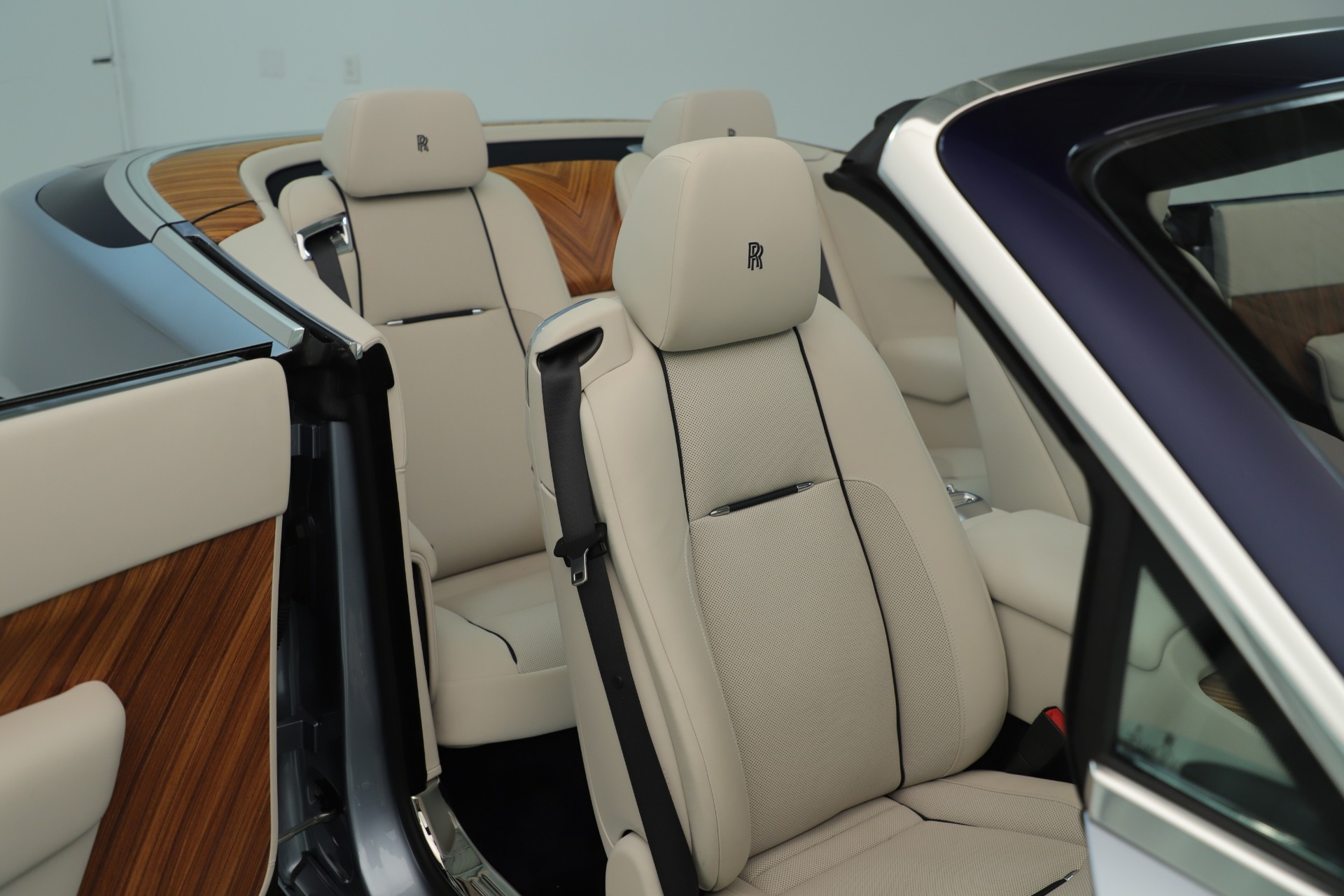 Used 2016 Rolls-Royce Dawn  For Sale In Greenwich, CT. Alfa Romeo of Greenwich, 7585 3217_p34