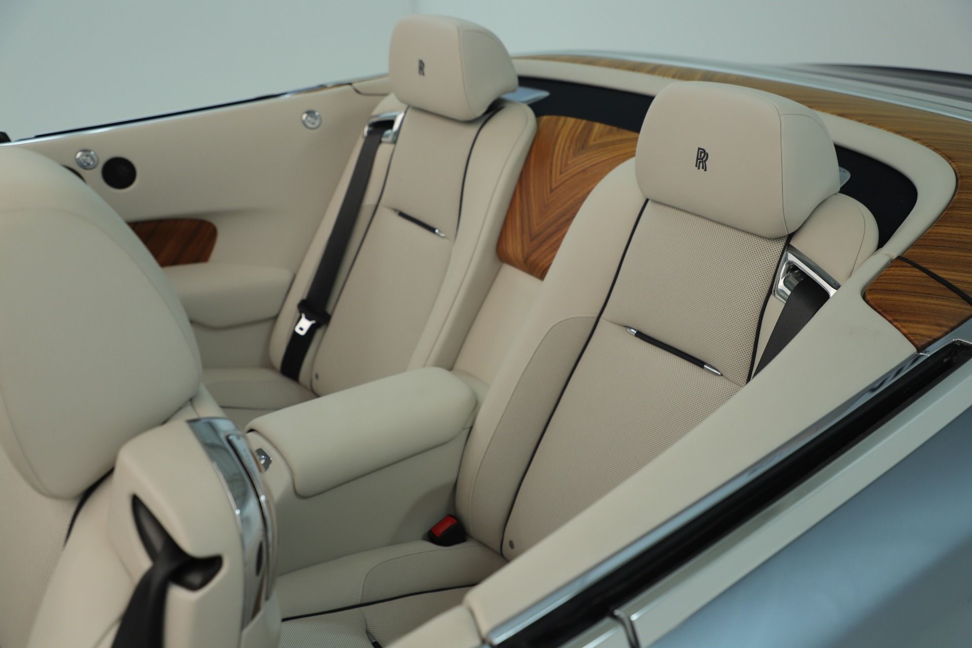 Used 2016 Rolls-Royce Dawn  For Sale In Greenwich, CT. Alfa Romeo of Greenwich, 7585 3217_p37