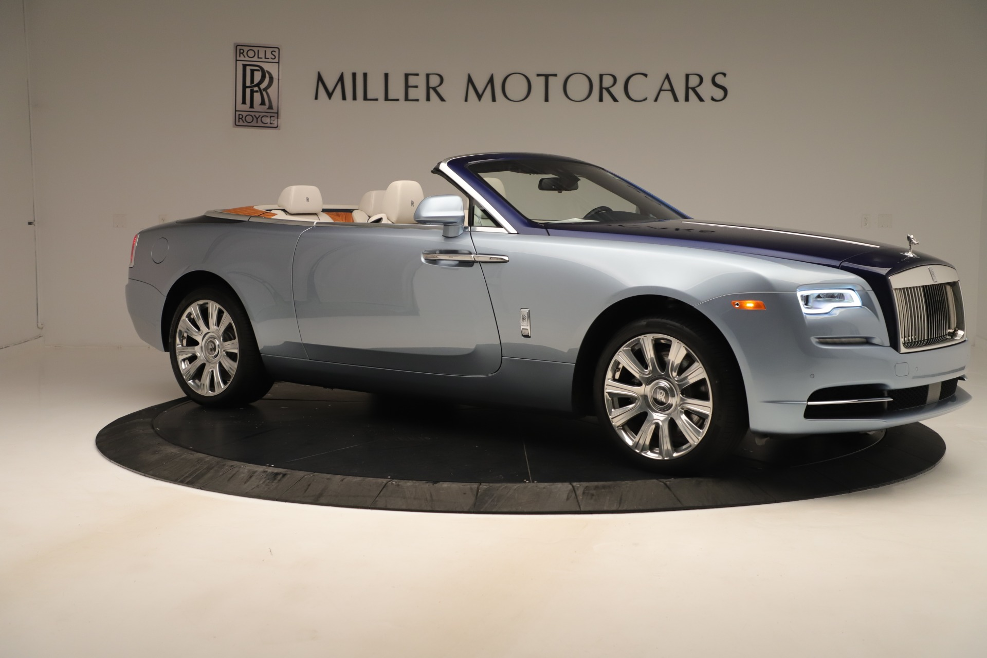 Used 2016 Rolls-Royce Dawn  For Sale In Greenwich, CT. Alfa Romeo of Greenwich, 7585 3217_p8