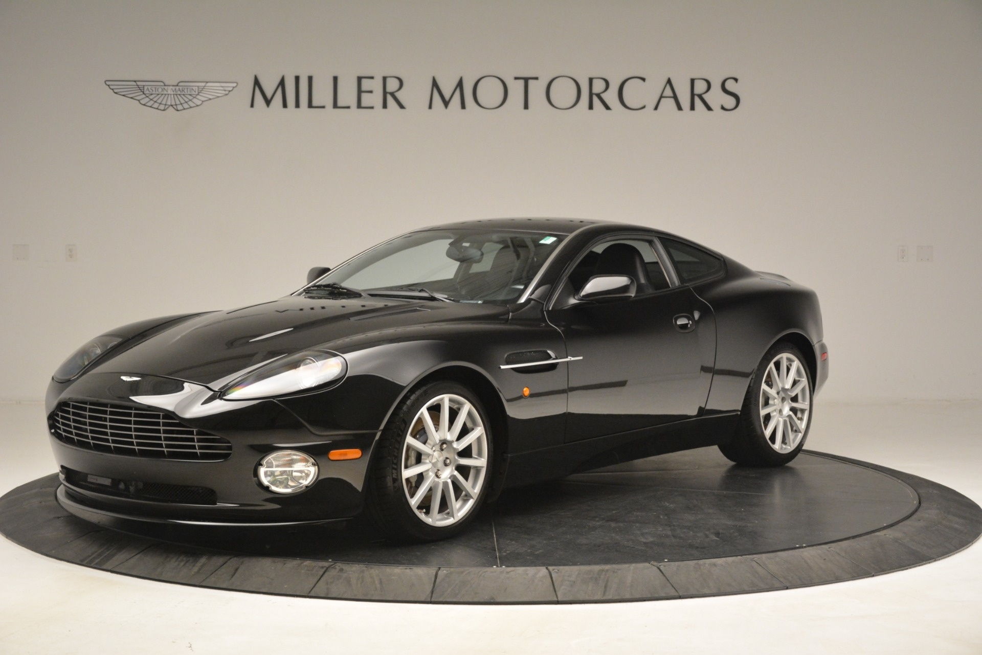 Used 2005 Aston Martin V12 Vanquish S Coupe For Sale In Greenwich, CT. Alfa Romeo of Greenwich, 7451A 3218_main