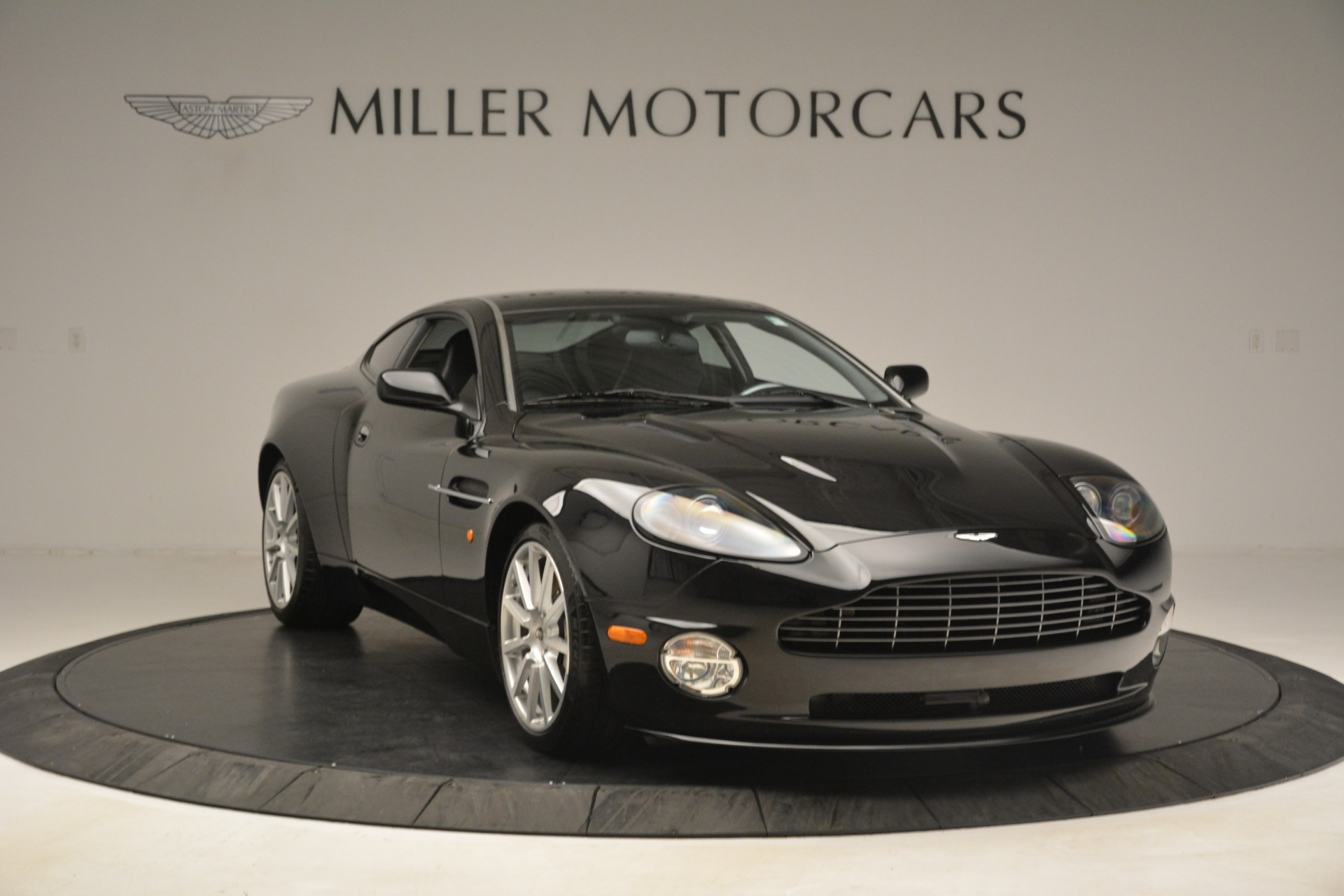 Used 2005 Aston Martin V12 Vanquish S Coupe For Sale In Greenwich, CT. Alfa Romeo of Greenwich, 7451A 3218_p11