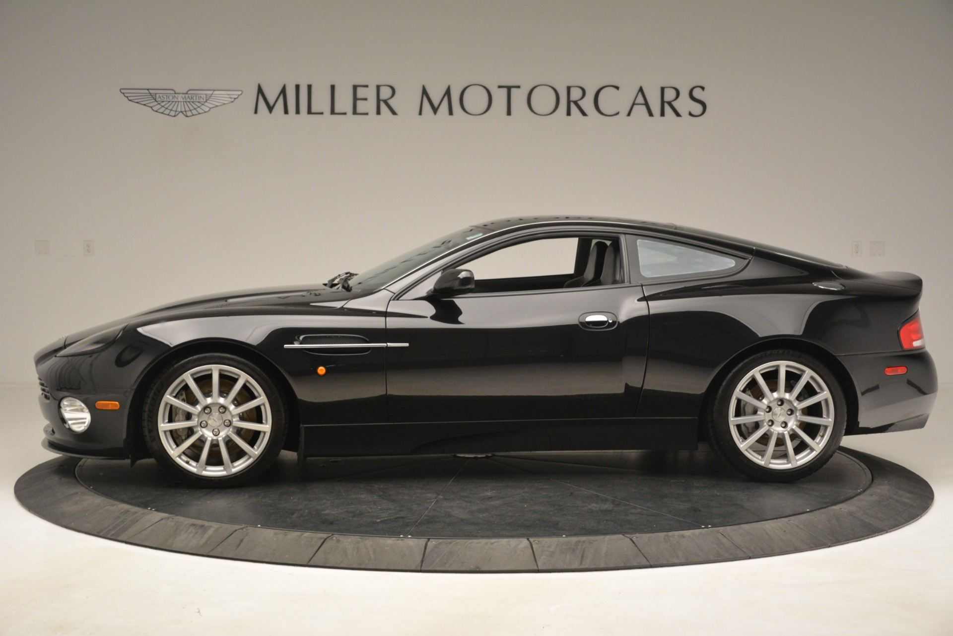 Used 2005 Aston Martin V12 Vanquish S Coupe For Sale In Greenwich, CT. Alfa Romeo of Greenwich, 7451A 3218_p3