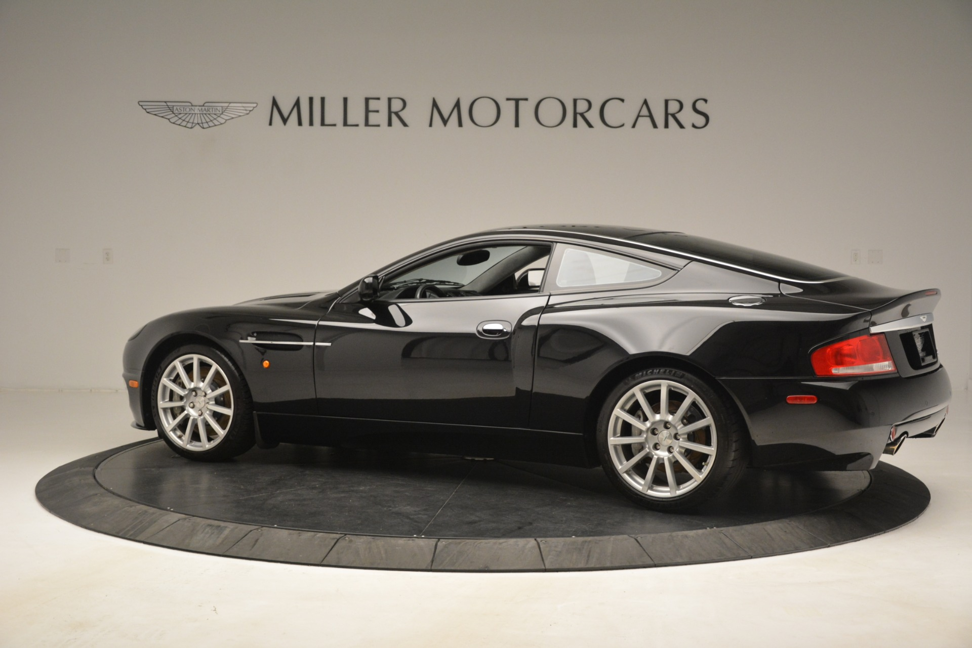 Used 2005 Aston Martin V12 Vanquish S Coupe For Sale In Greenwich, CT. Alfa Romeo of Greenwich, 7451A 3218_p4