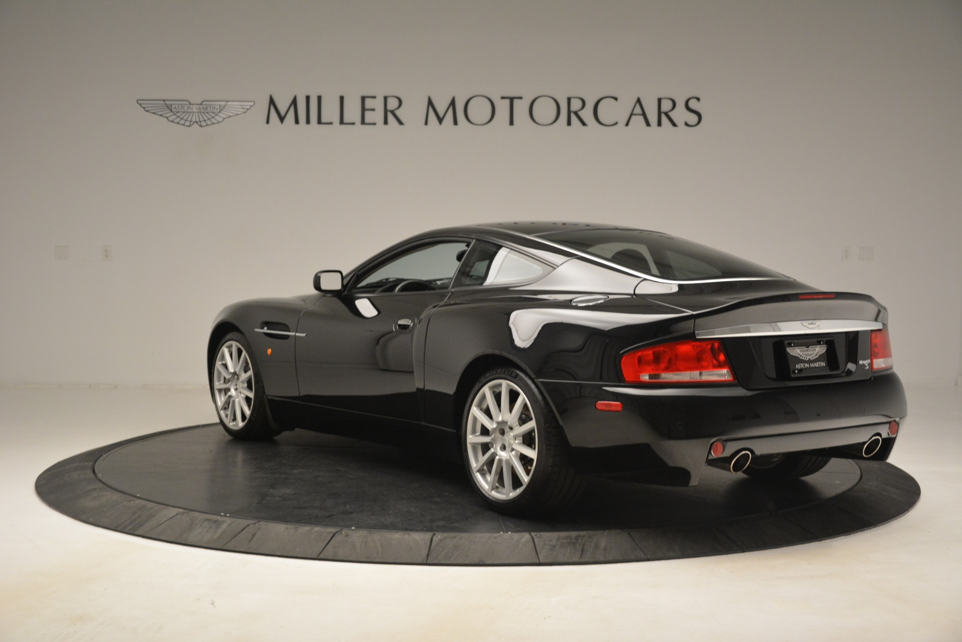 Used 2005 Aston Martin V12 Vanquish S Coupe For Sale In Greenwich, CT. Alfa Romeo of Greenwich, 7451A 3218_p5
