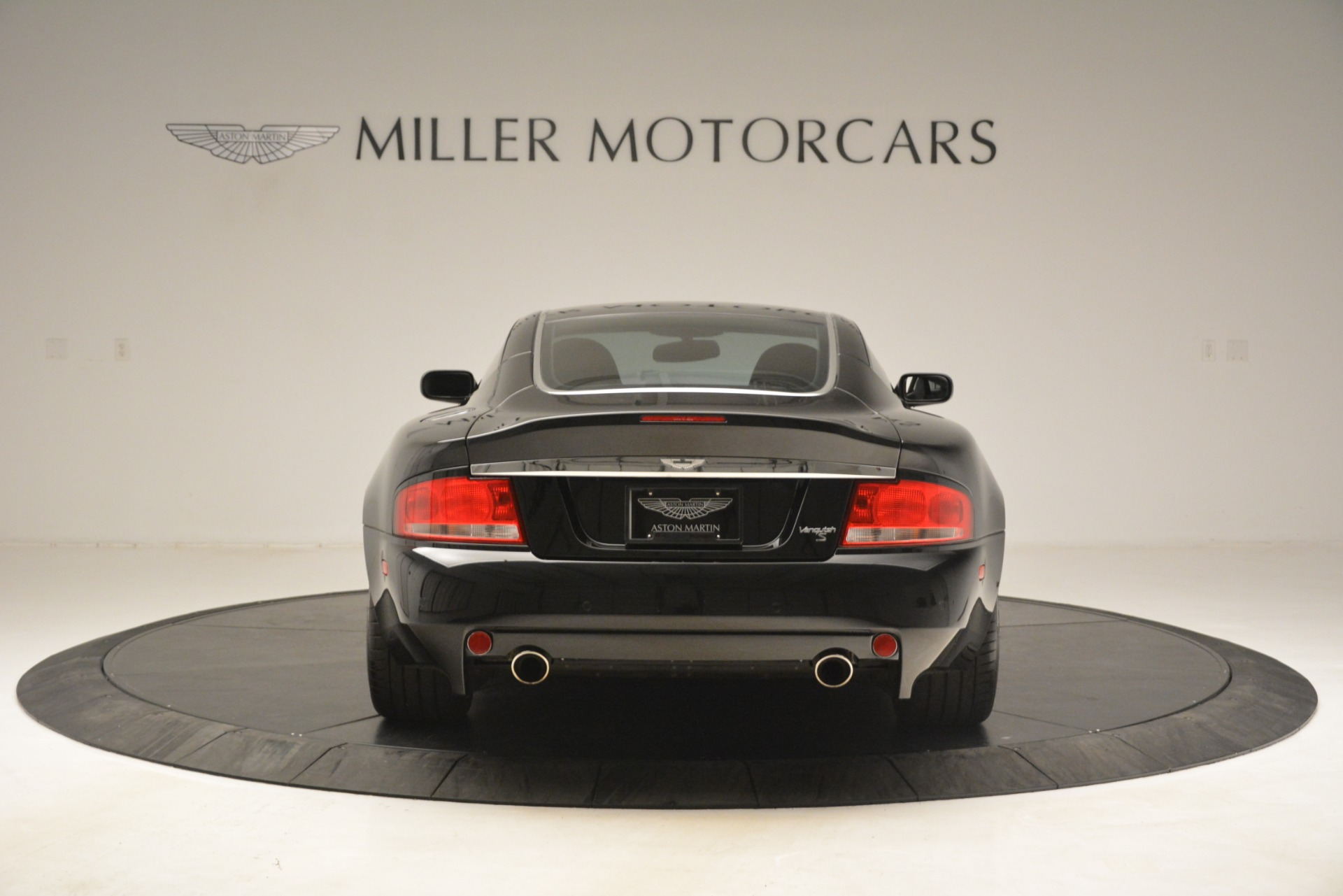 Used 2005 Aston Martin V12 Vanquish S Coupe For Sale In Greenwich, CT. Alfa Romeo of Greenwich, 7451A 3218_p6