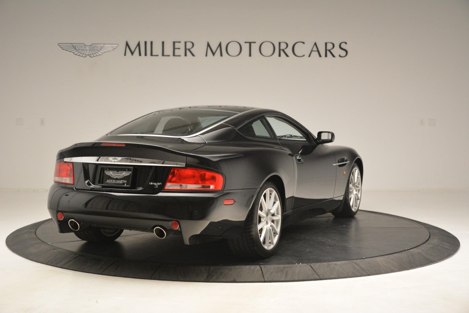 Used 2005 Aston Martin V12 Vanquish S Coupe For Sale In Greenwich, CT. Alfa Romeo of Greenwich, 7451A 3218_p7