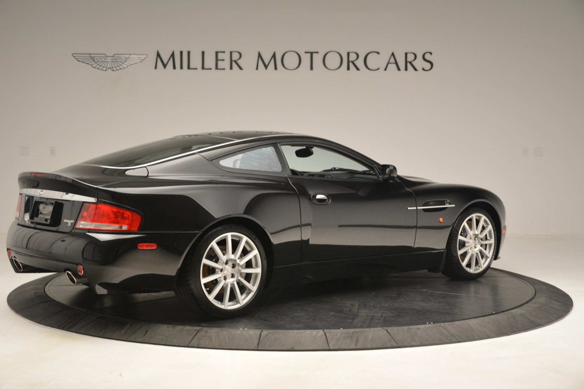 Used 2005 Aston Martin V12 Vanquish S Coupe For Sale In Greenwich, CT. Alfa Romeo of Greenwich, 7451A 3218_p8