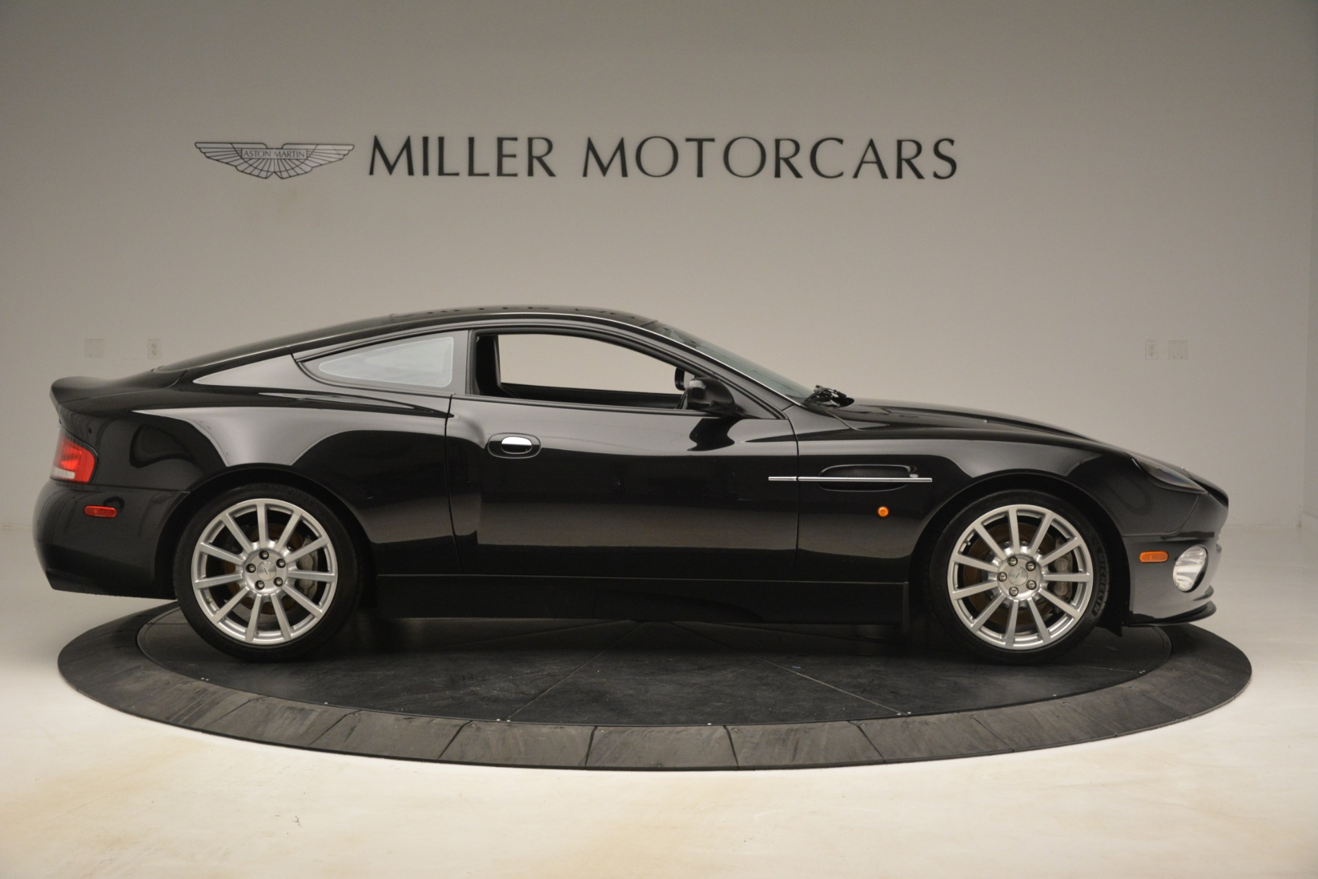 Used 2005 Aston Martin V12 Vanquish S Coupe For Sale In Greenwich, CT. Alfa Romeo of Greenwich, 7451A 3218_p9