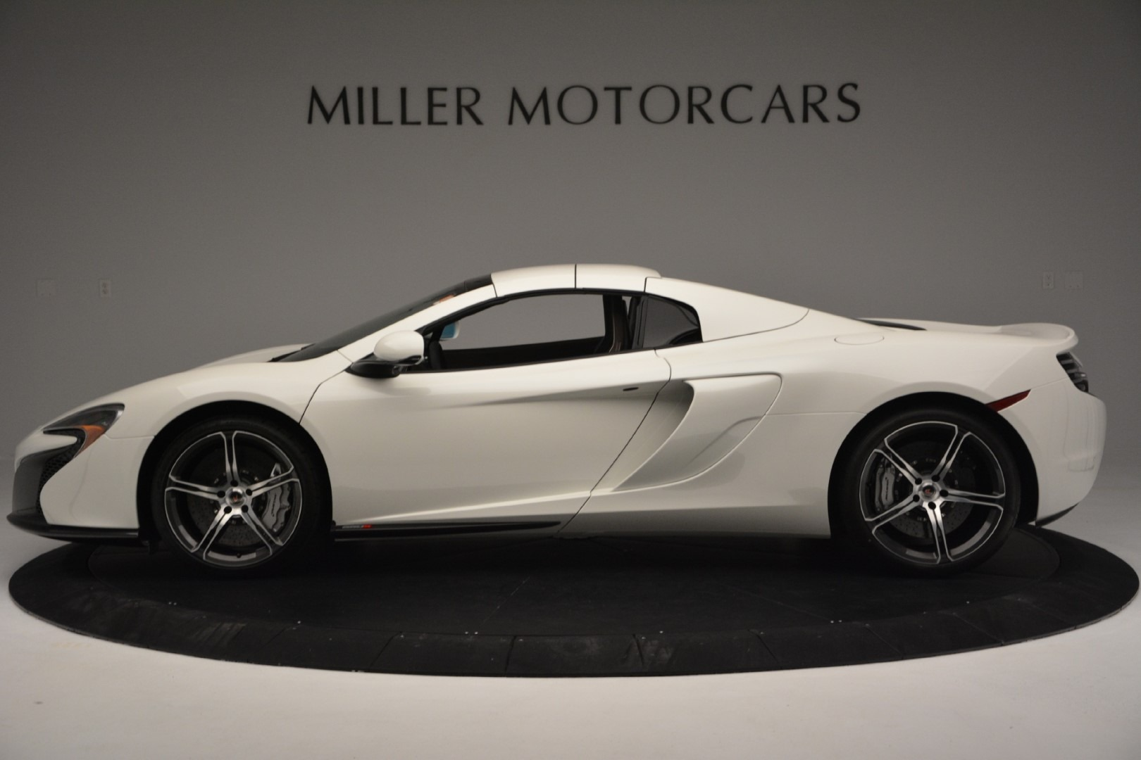 Used 2015 McLaren 650S Spider Convertible For Sale In Greenwich, CT. Alfa Romeo of Greenwich, 3169 3219_p13