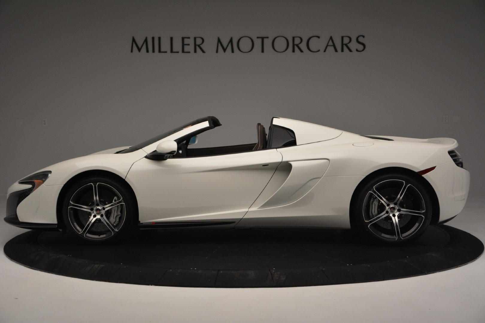 Used 2015 McLaren 650S Spider Convertible For Sale In Greenwich, CT. Alfa Romeo of Greenwich, 3169 3219_p2