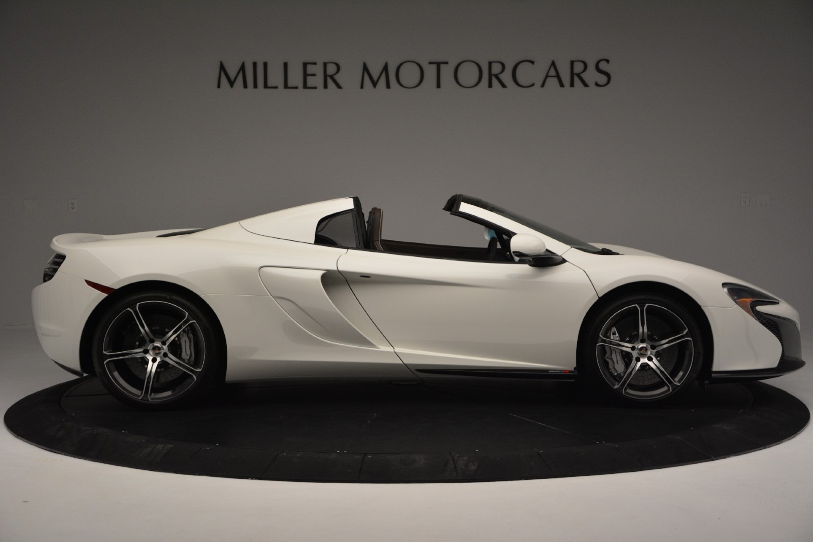 Used 2015 McLaren 650S Spider Convertible For Sale In Greenwich, CT. Alfa Romeo of Greenwich, 3169 3219_p8
