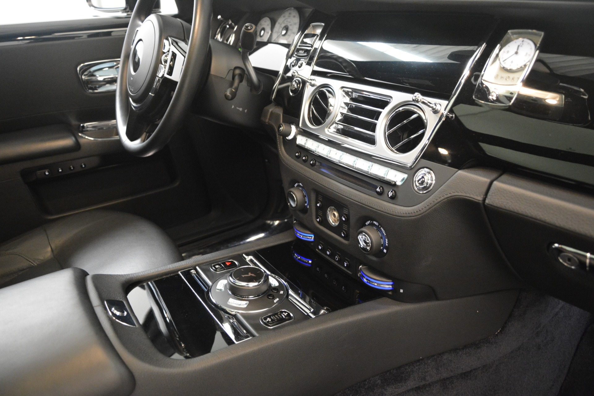 Used 2014 Rolls-Royce Ghost  For Sale In Greenwich, CT. Alfa Romeo of Greenwich, 7572 3220_p21