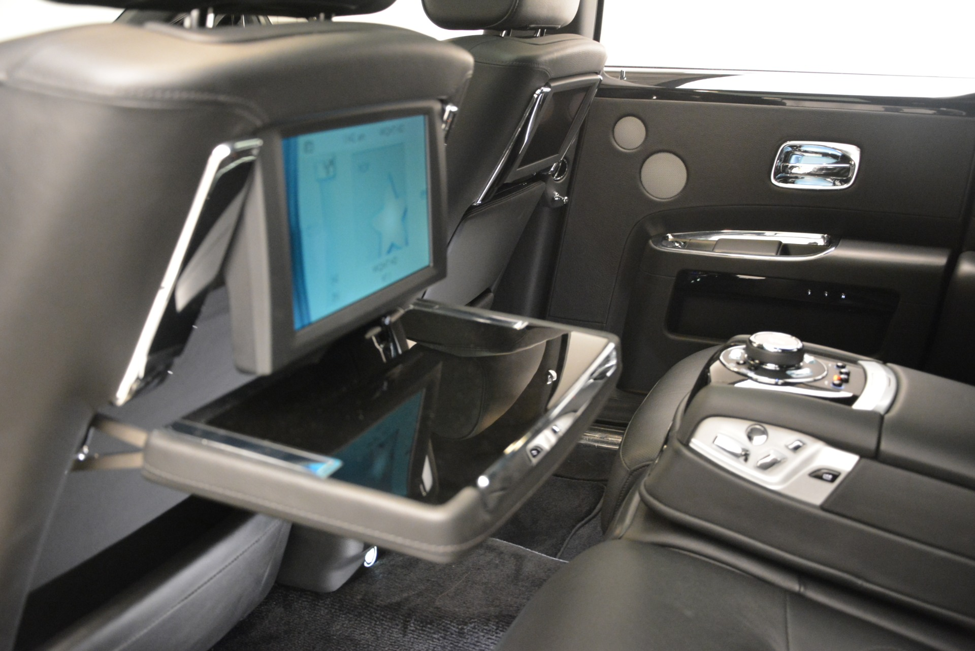 Used 2014 Rolls-Royce Ghost  For Sale In Greenwich, CT. Alfa Romeo of Greenwich, 7572 3220_p24