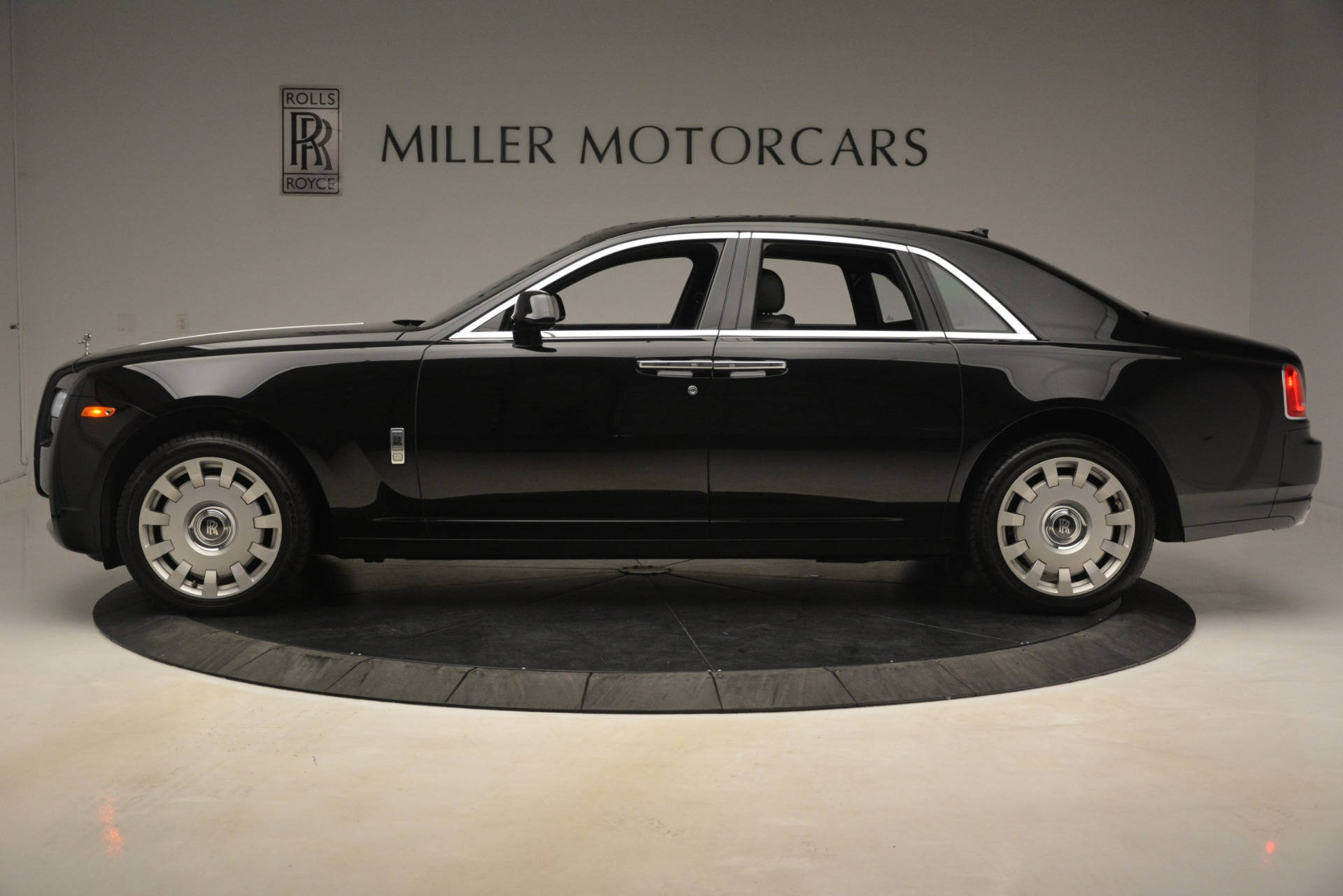 Used 2014 Rolls-Royce Ghost  For Sale In Greenwich, CT. Alfa Romeo of Greenwich, 7572 3220_p4