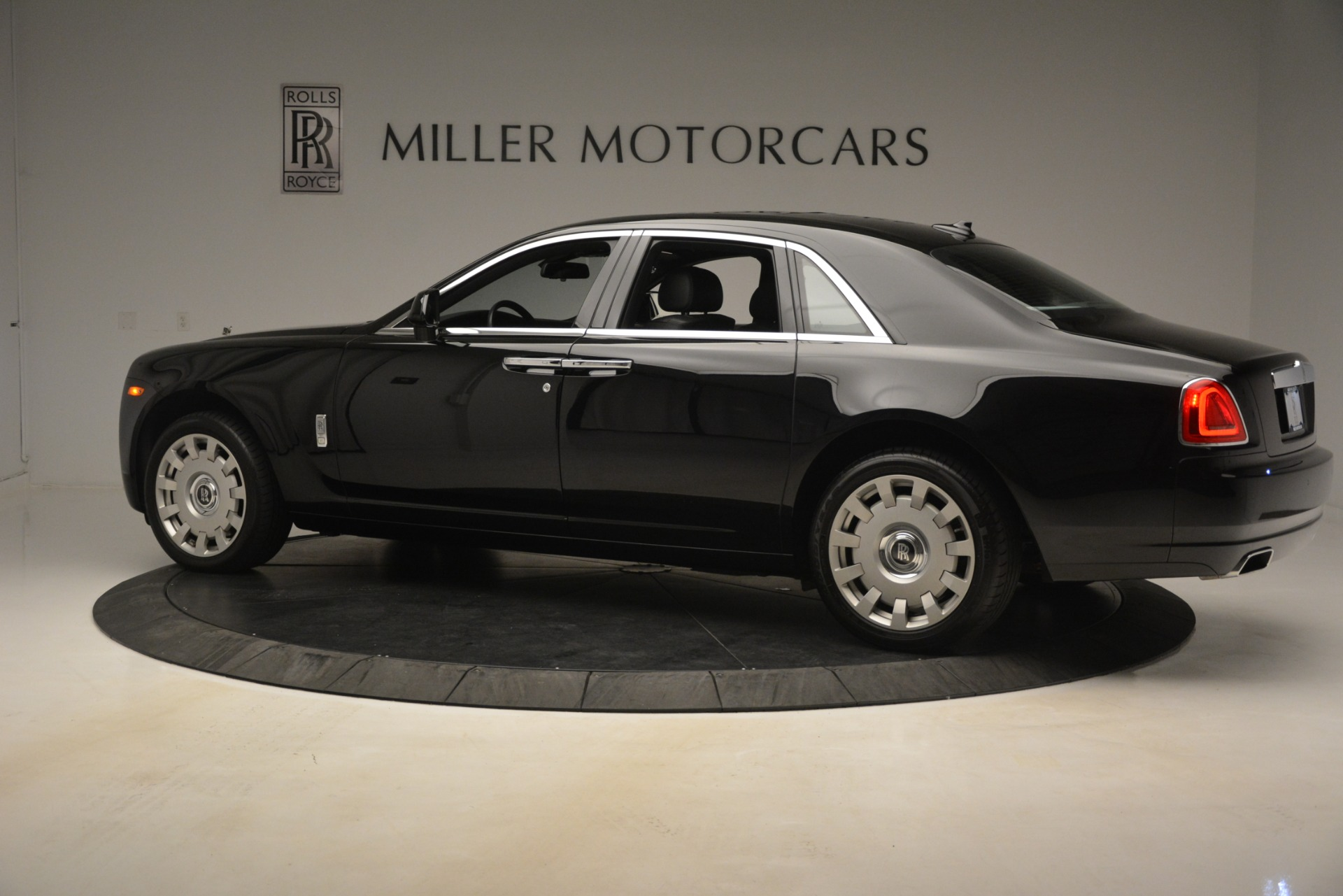 Used 2014 Rolls-Royce Ghost  For Sale In Greenwich, CT. Alfa Romeo of Greenwich, 7572 3220_p5