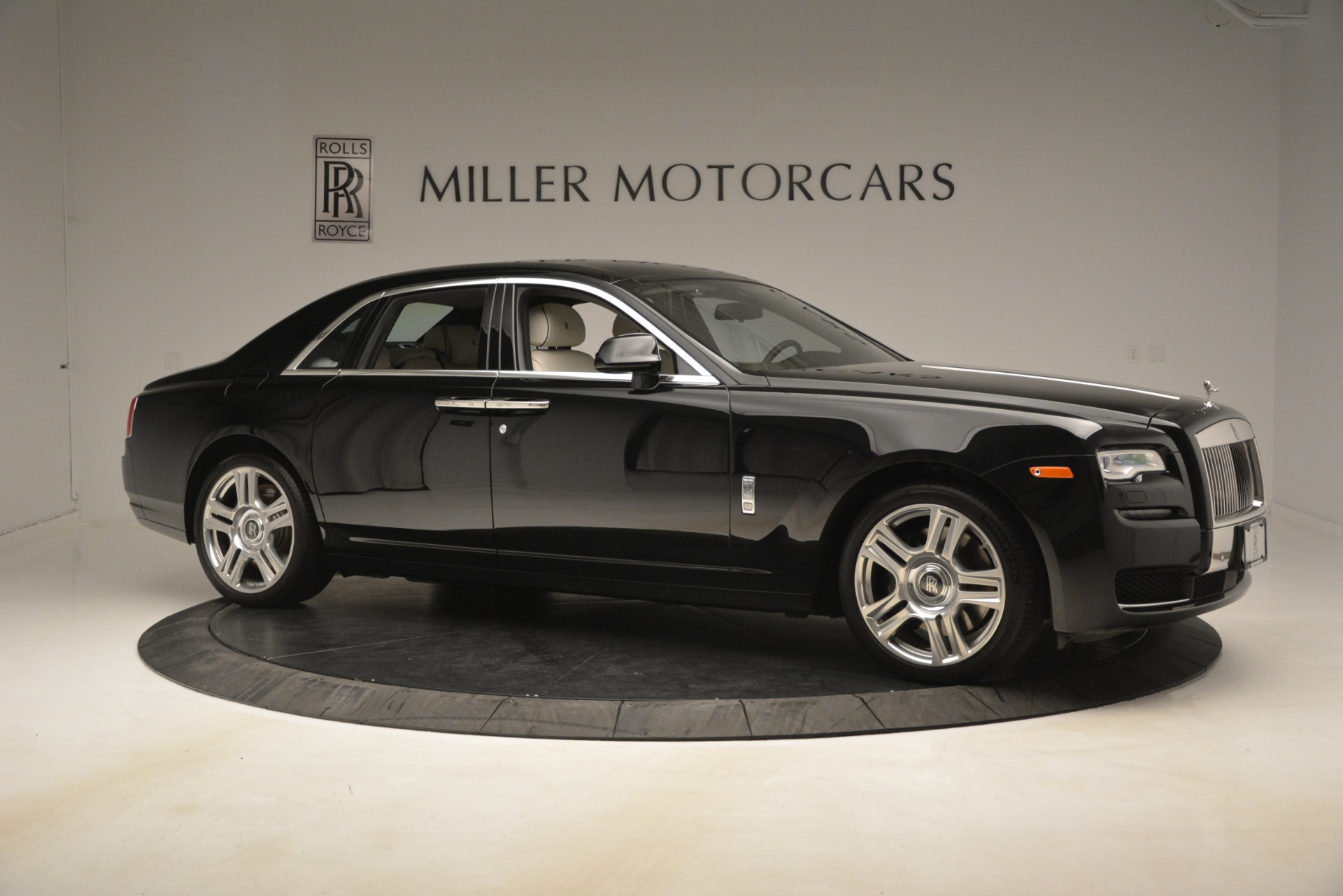 Used 2016 Rolls-Royce Ghost  For Sale In Greenwich, CT. Alfa Romeo of Greenwich, 7573 3225_p11
