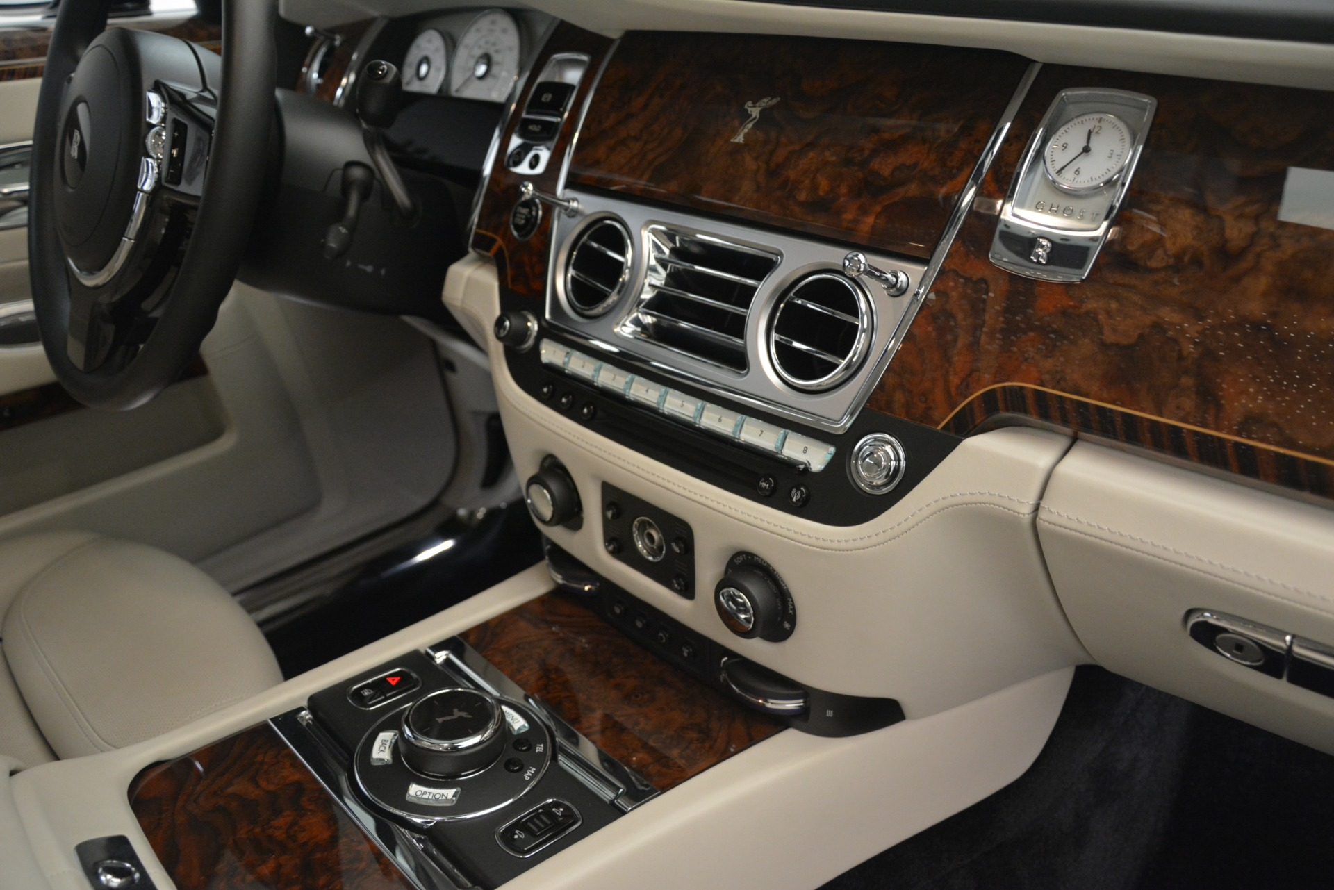 Used 2016 Rolls-Royce Ghost  For Sale In Greenwich, CT. Alfa Romeo of Greenwich, 7573 3225_p25