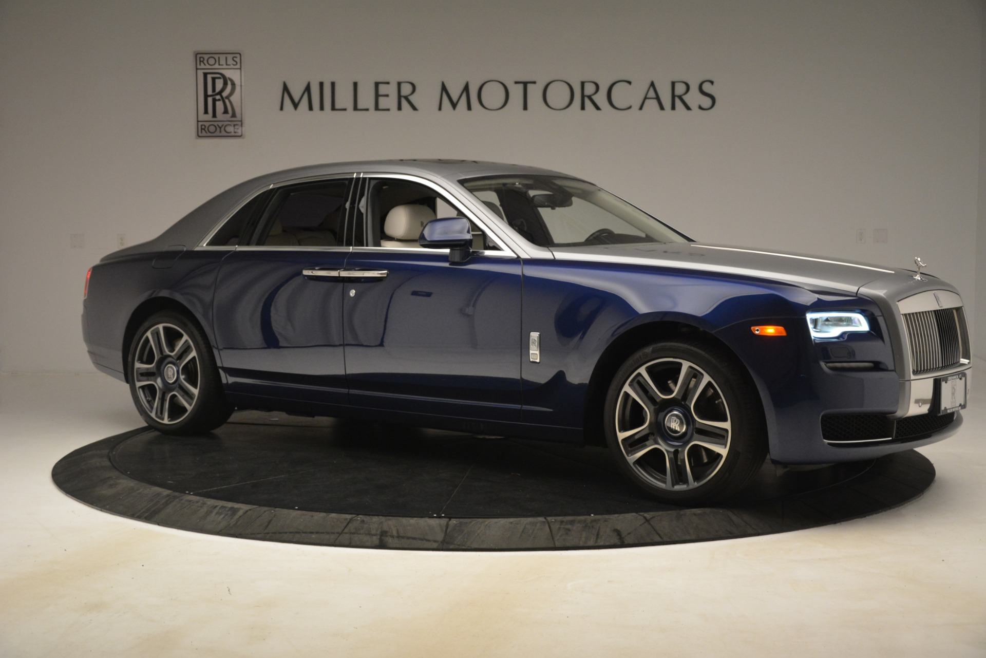Used 2016 Rolls-Royce Ghost  For Sale In Greenwich, CT. Alfa Romeo of Greenwich, 7574 3226_p10
