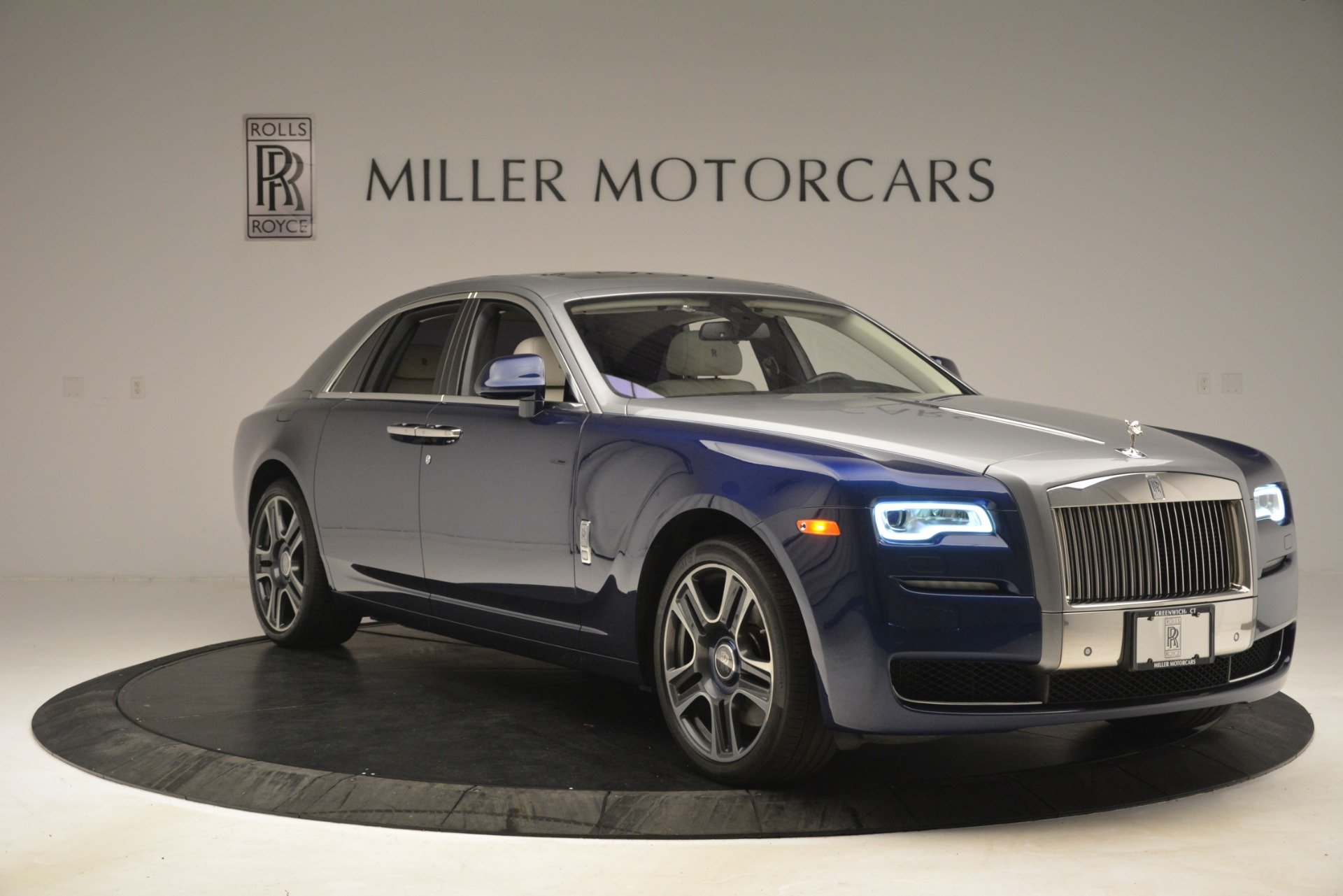 Used 2016 Rolls-Royce Ghost  For Sale In Greenwich, CT. Alfa Romeo of Greenwich, 7574 3226_p11