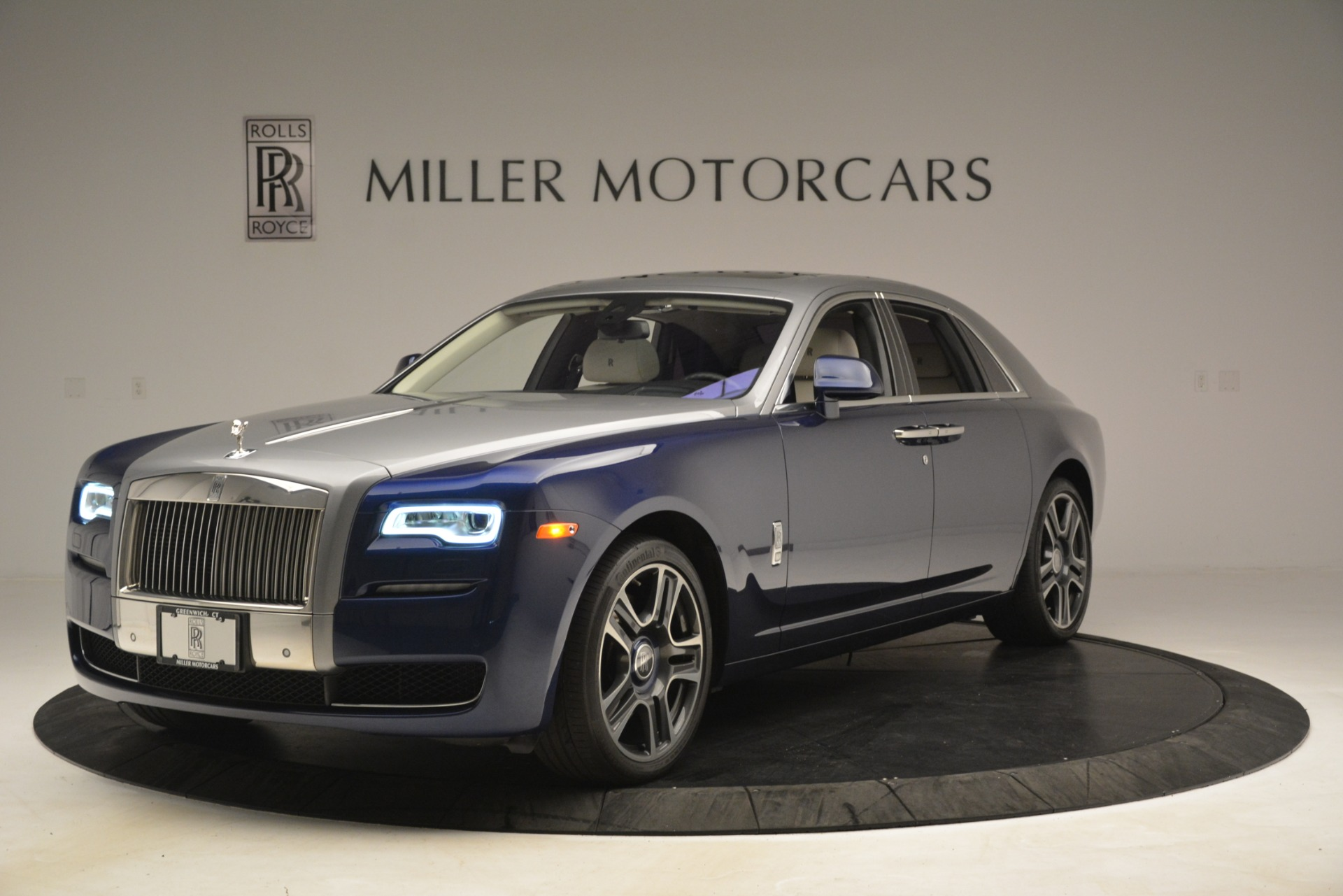 Used 2016 Rolls-Royce Ghost  For Sale In Greenwich, CT. Alfa Romeo of Greenwich, 7574 3226_p3