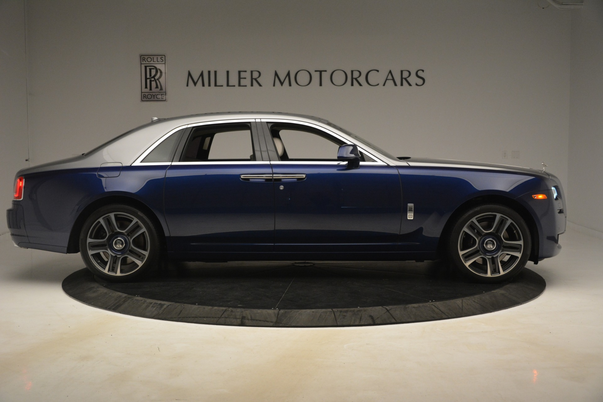 Used 2016 Rolls-Royce Ghost  For Sale In Greenwich, CT. Alfa Romeo of Greenwich, 7574 3226_p9