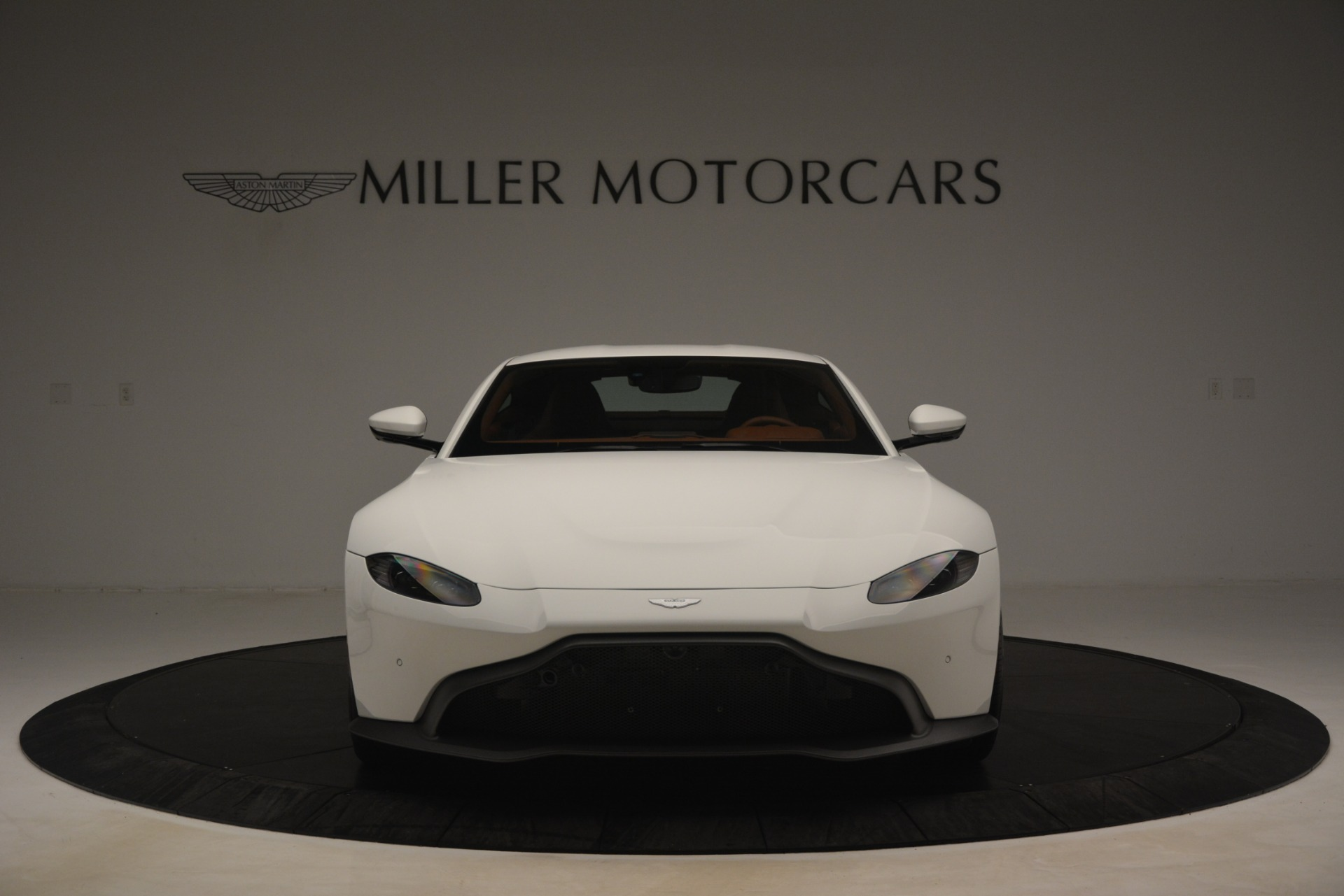 New 2019 Aston Martin Vantage Coupe For Sale In Greenwich, CT. Alfa Romeo of Greenwich, A1373 3227_p11