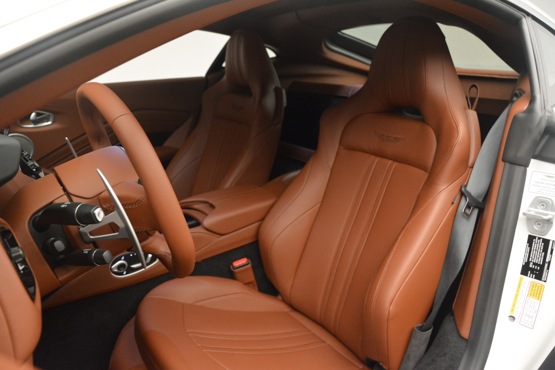 New 2019 Aston Martin Vantage Coupe For Sale In Greenwich, CT. Alfa Romeo of Greenwich, A1373 3227_p15