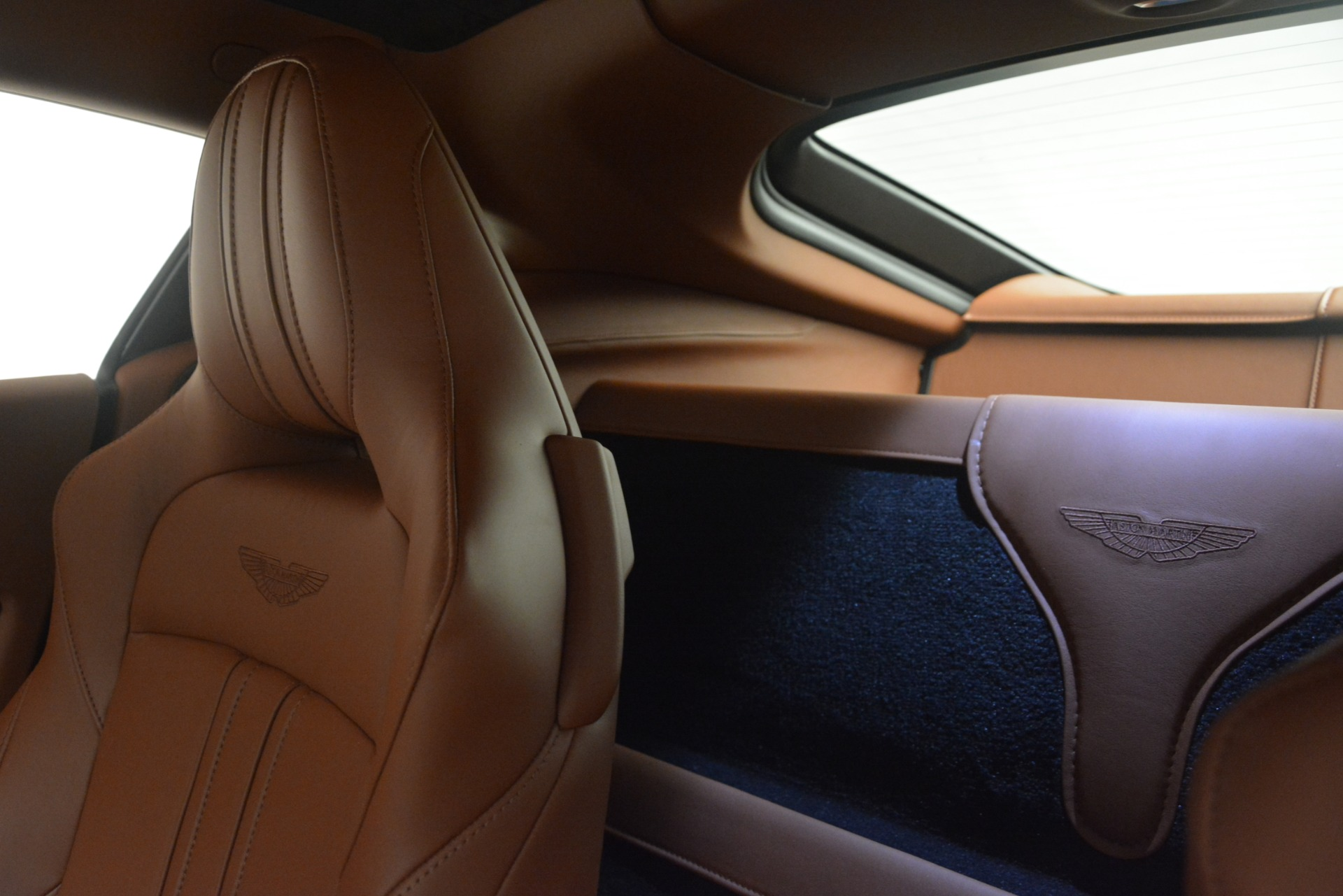 New 2019 Aston Martin Vantage Coupe For Sale In Greenwich, CT. Alfa Romeo of Greenwich, A1373 3227_p17