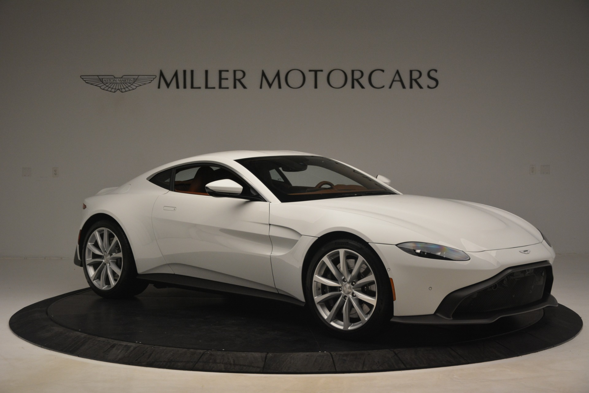 New 2019 Aston Martin Vantage Coupe For Sale In Greenwich, CT. Alfa Romeo of Greenwich, A1373 3227_p9