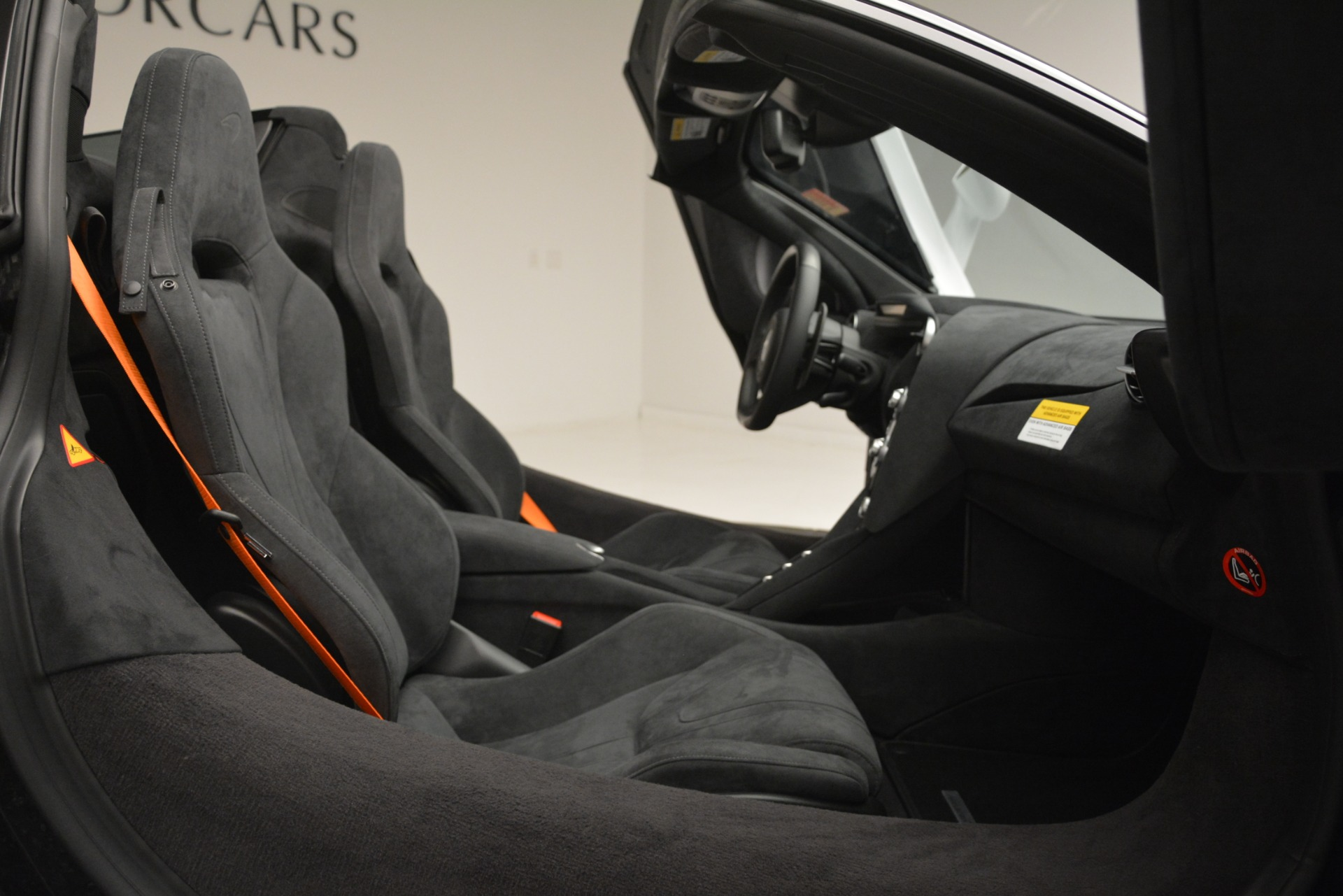 New 2020 McLaren 720S Spider Convertible For Sale In Greenwich, CT. Alfa Romeo of Greenwich, MC432 3229_p24