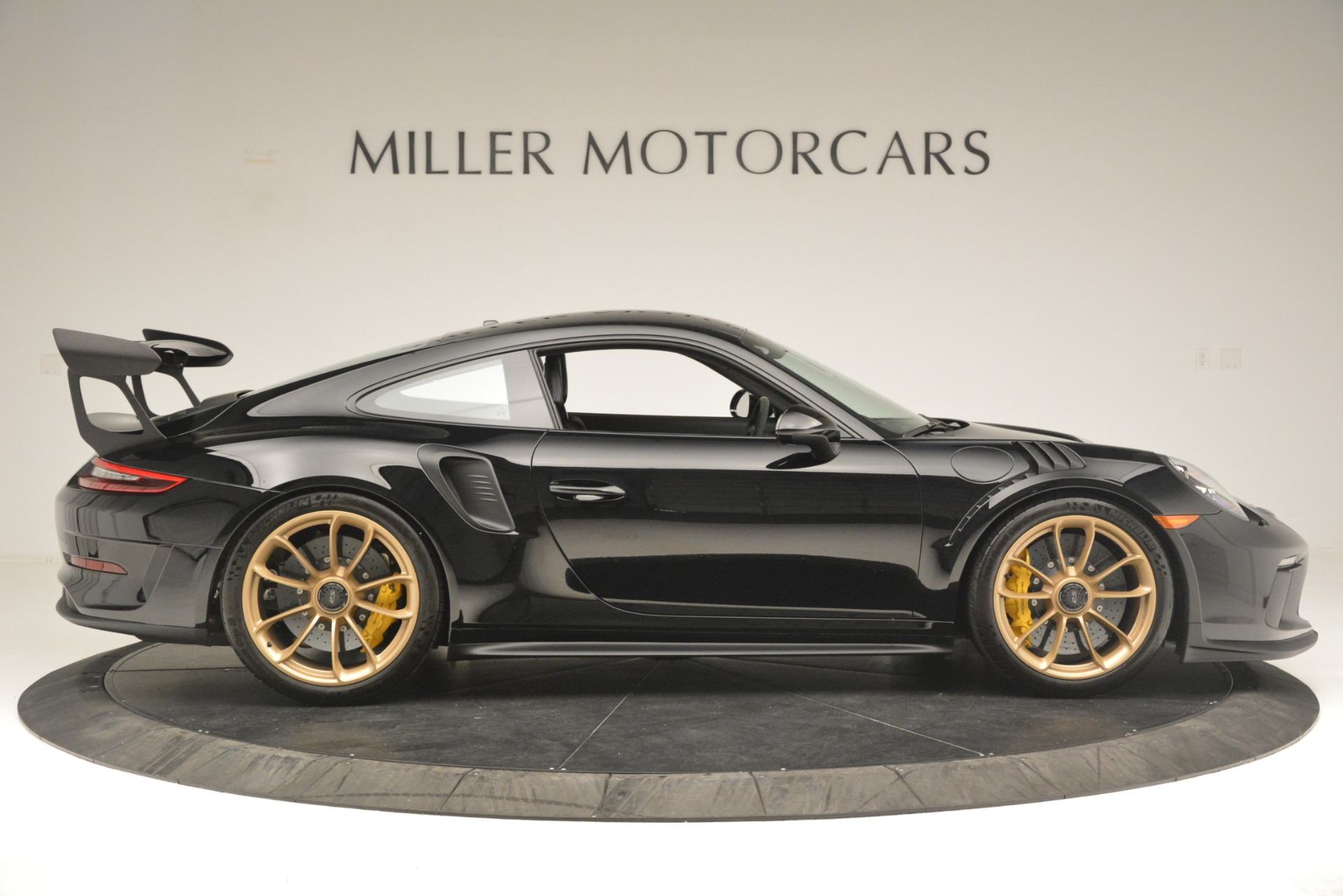 Used 2019 Porsche 911 GT3 RS For Sale In Greenwich, CT. Alfa Romeo of Greenwich, MC435A 3231_p10