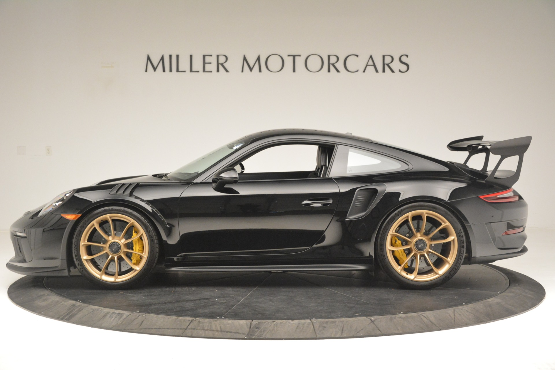 Used 2019 Porsche 911 GT3 RS For Sale In Greenwich, CT. Alfa Romeo of Greenwich, MC435A 3231_p3