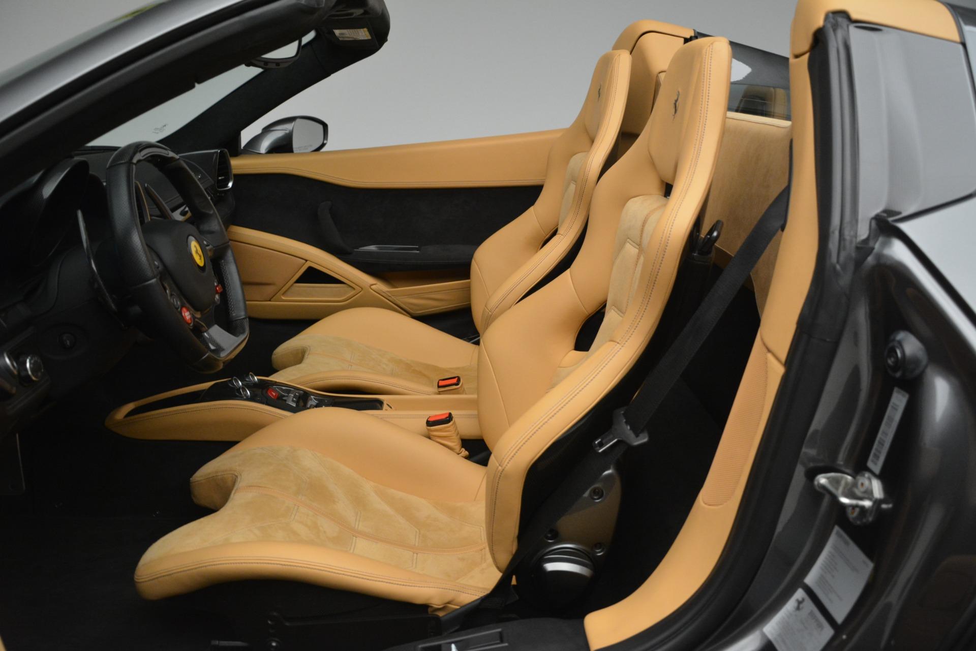 Used 2013 Ferrari 458 Spider  For Sale In Greenwich, CT. Alfa Romeo of Greenwich, 4575 3232_p18