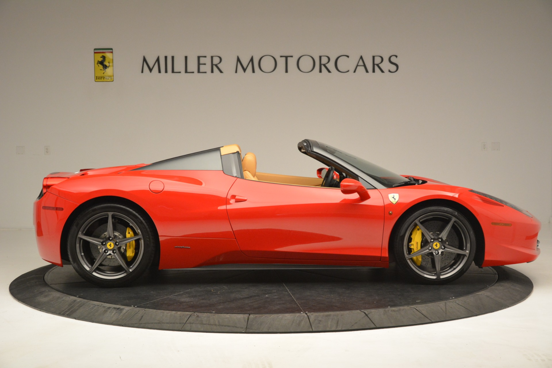 Used 2015 Ferrari 458 Spider  For Sale In Greenwich, CT. Alfa Romeo of Greenwich, 4576 3233_p10