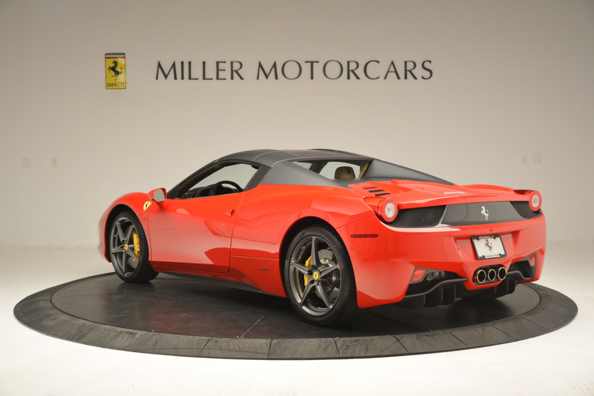 Used 2015 Ferrari 458 Spider  For Sale In Greenwich, CT. Alfa Romeo of Greenwich, 4576 3233_p16
