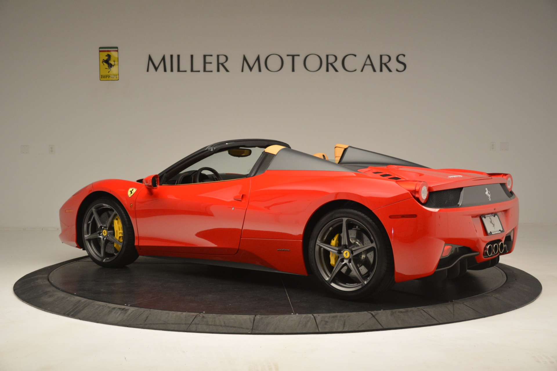 Used 2015 Ferrari 458 Spider  For Sale In Greenwich, CT. Alfa Romeo of Greenwich, 4576 3233_p4