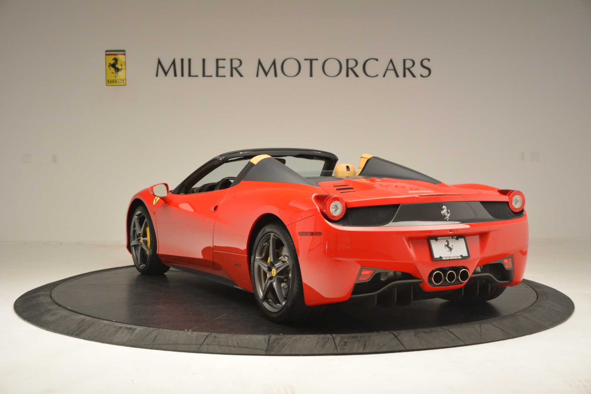 Used 2015 Ferrari 458 Spider  For Sale In Greenwich, CT. Alfa Romeo of Greenwich, 4576 3233_p5