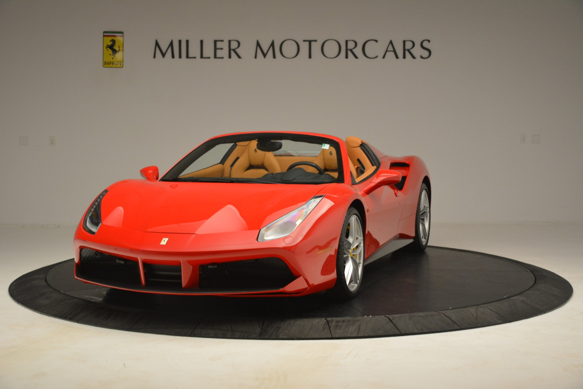 Used 2018 Ferrari 488 Spider  For Sale In Greenwich, CT. Alfa Romeo of Greenwich, F1993A