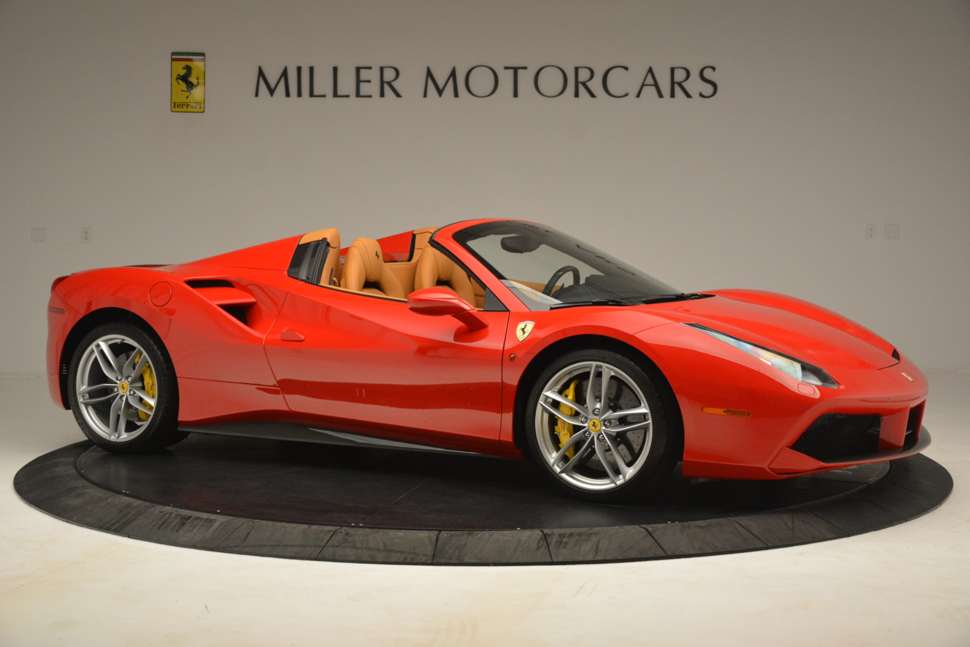 Used 2018 Ferrari 488 Spider  For Sale In Greenwich, CT. Alfa Romeo of Greenwich, F1993A 3234_p10