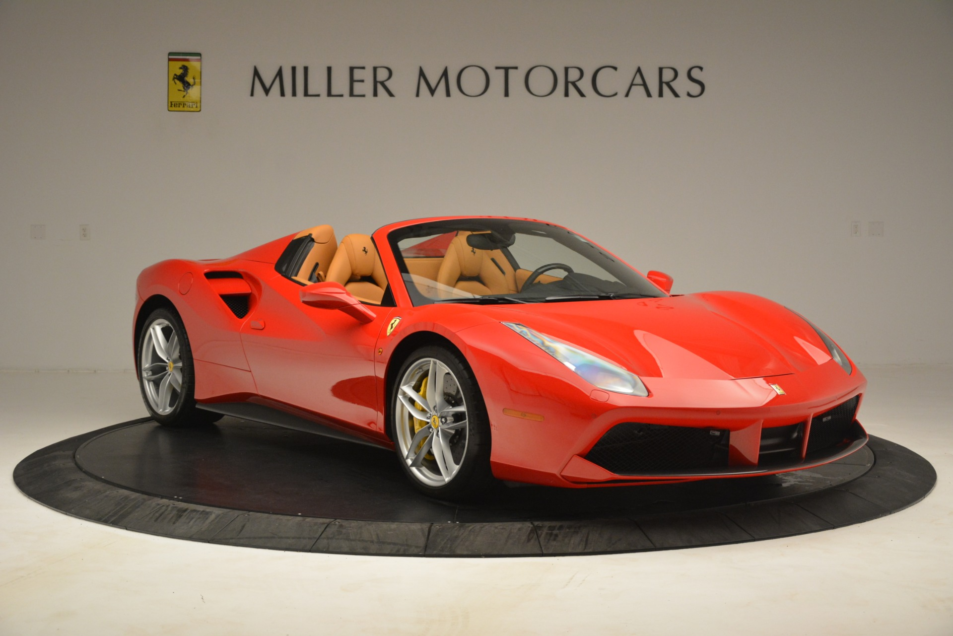 Used 2018 Ferrari 488 Spider  For Sale In Greenwich, CT. Alfa Romeo of Greenwich, F1993A 3234_p11