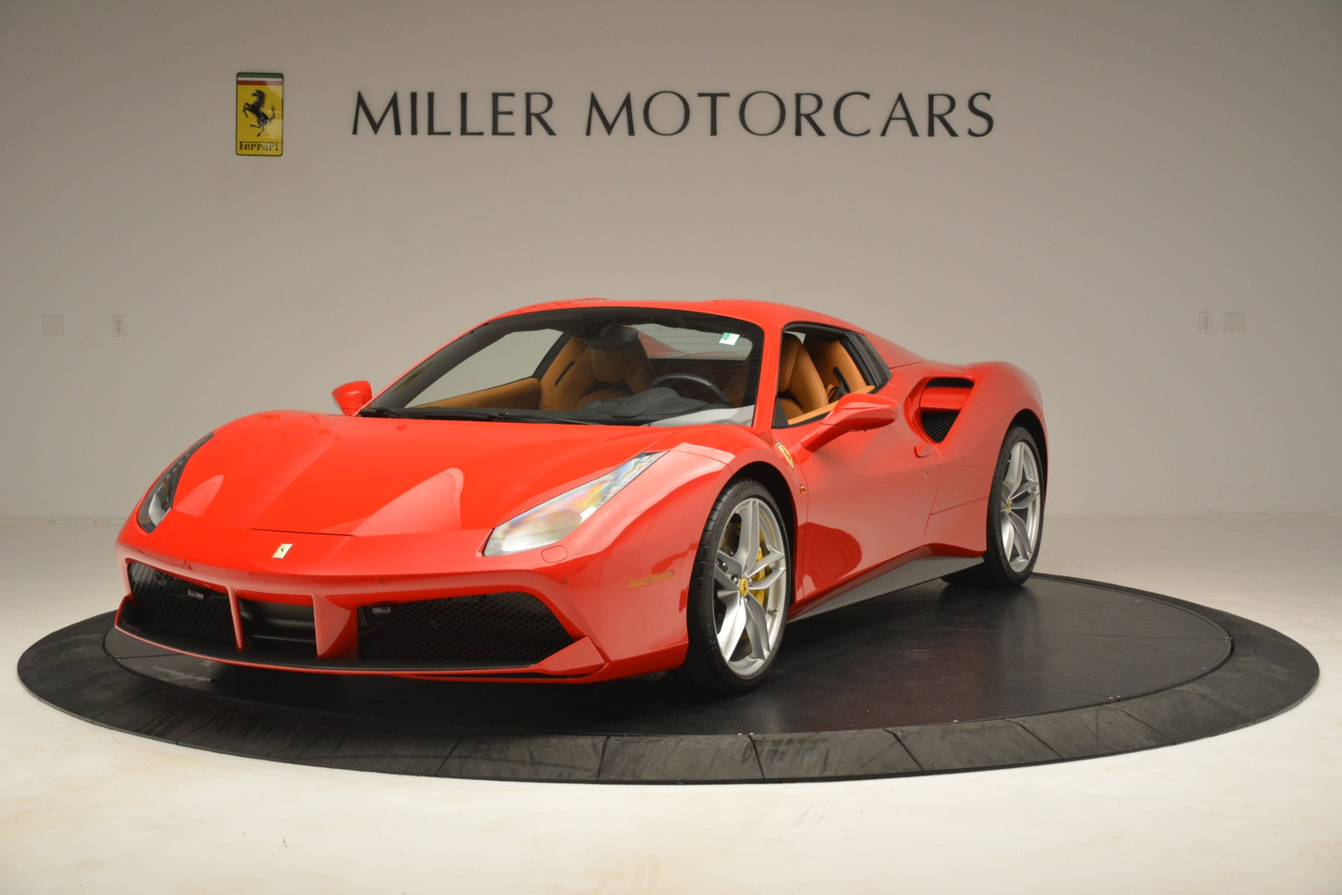 Used 2018 Ferrari 488 Spider  For Sale In Greenwich, CT. Alfa Romeo of Greenwich, F1993A 3234_p13