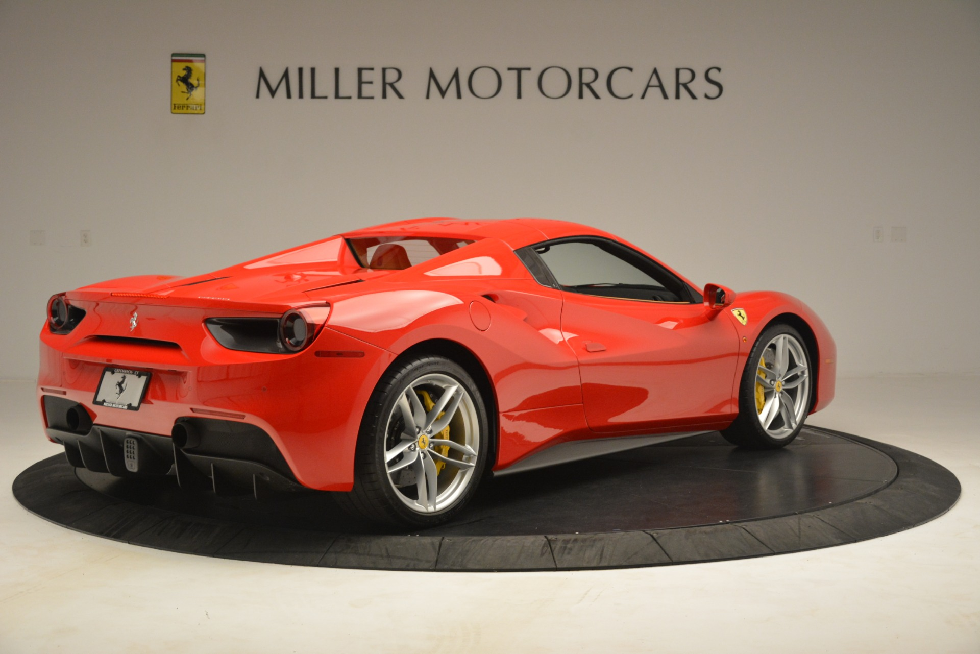 Used 2018 Ferrari 488 Spider  For Sale In Greenwich, CT. Alfa Romeo of Greenwich, F1993A 3234_p16