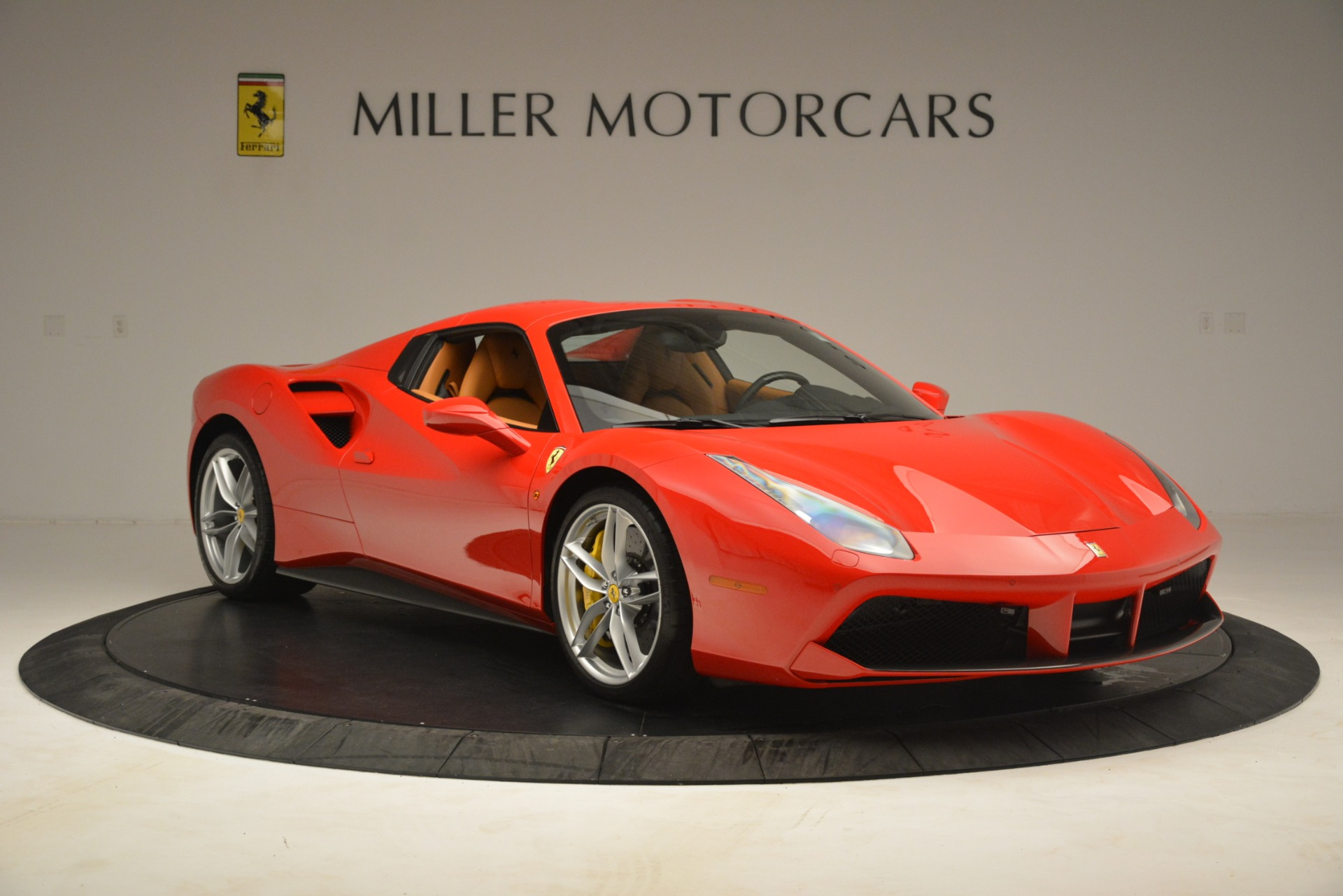 Used 2018 Ferrari 488 Spider  For Sale In Greenwich, CT. Alfa Romeo of Greenwich, F1993A 3234_p18