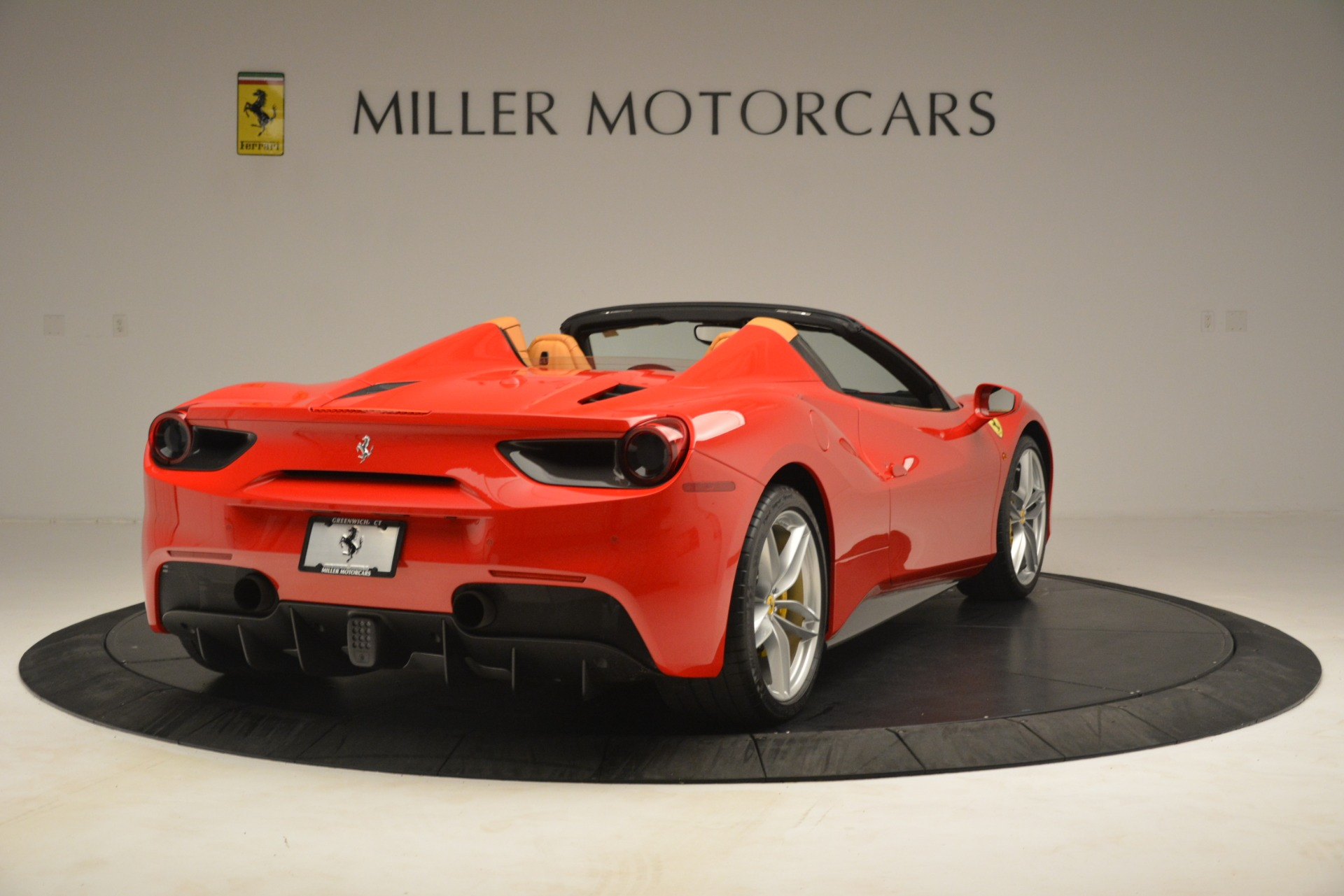 Used 2018 Ferrari 488 Spider  For Sale In Greenwich, CT. Alfa Romeo of Greenwich, F1993A 3234_p7