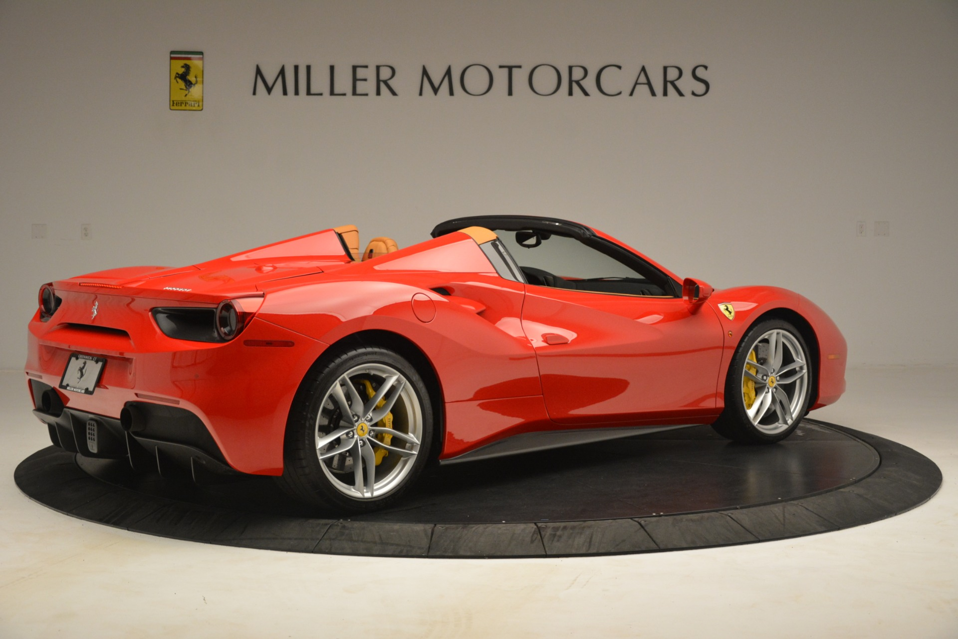 Used 2018 Ferrari 488 Spider  For Sale In Greenwich, CT. Alfa Romeo of Greenwich, F1993A 3234_p8