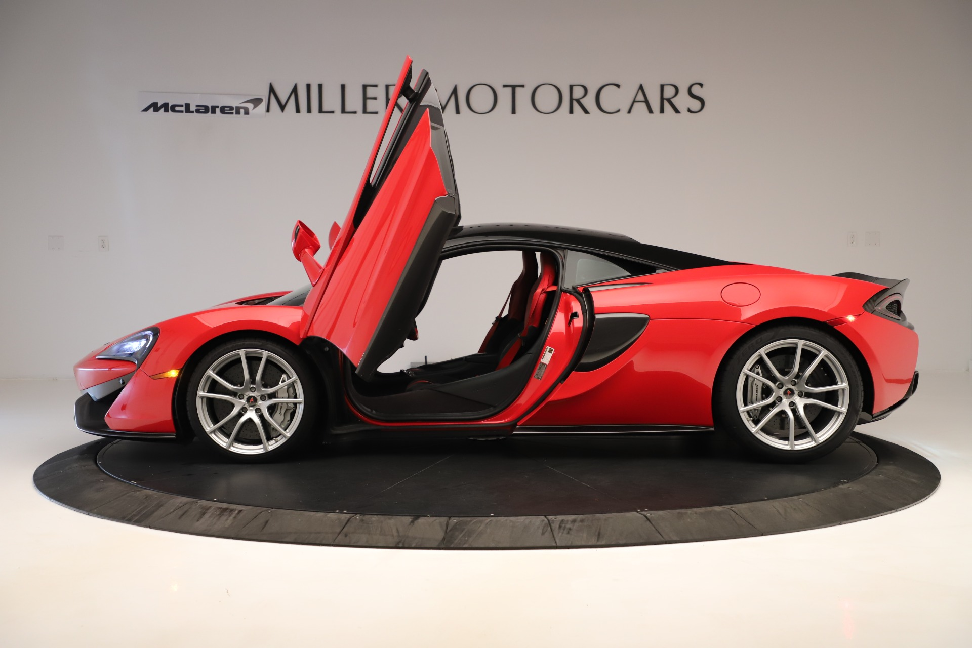 Used 2016 McLaren 570S Coupe For Sale In Greenwich, CT. Alfa Romeo of Greenwich, MC381A 3235_p11