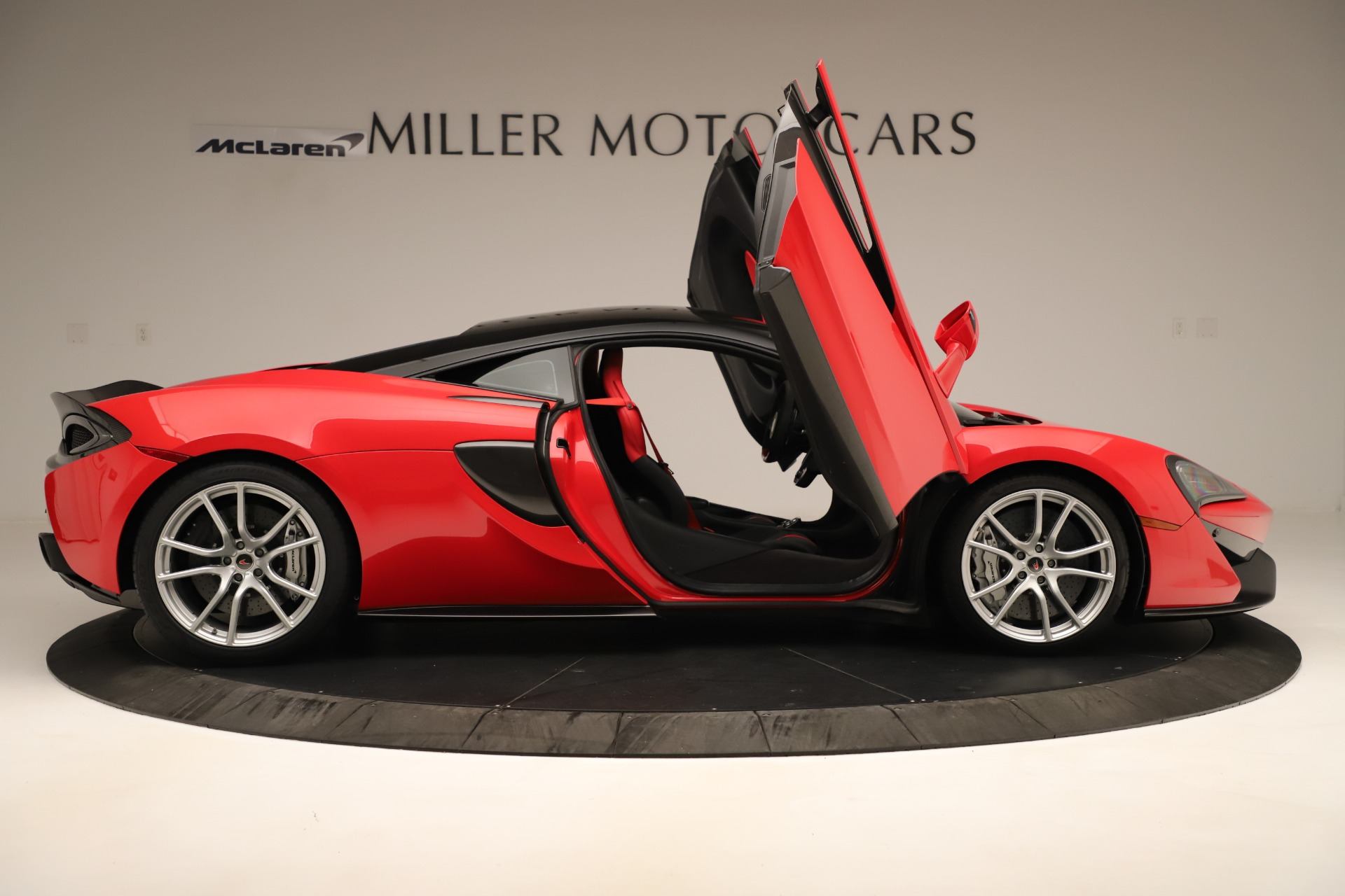 Used 2016 McLaren 570S Coupe For Sale In Greenwich, CT. Alfa Romeo of Greenwich, MC381A 3235_p15