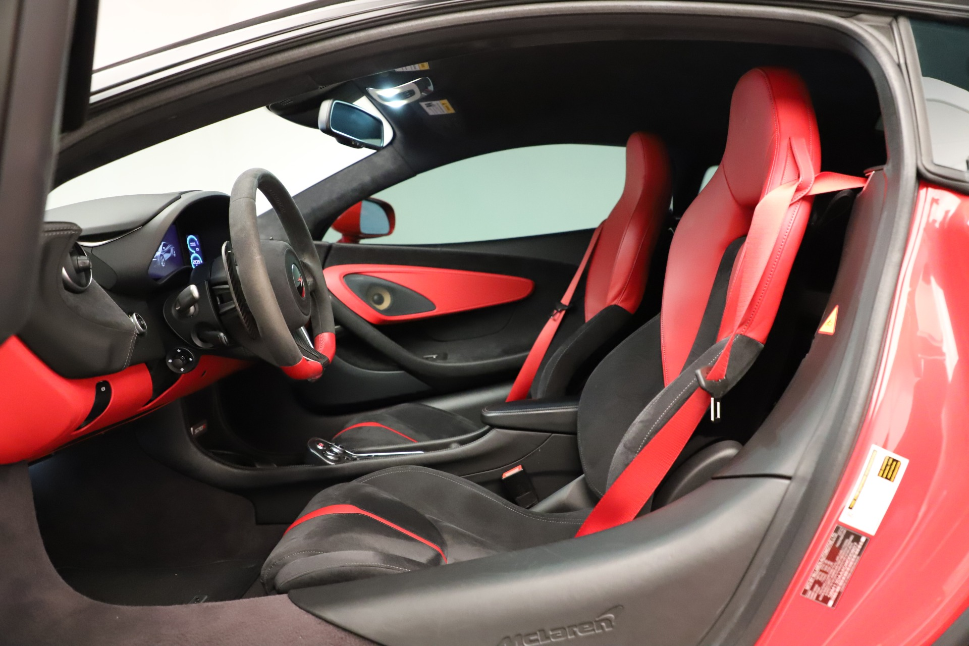 Used 2016 McLaren 570S Coupe For Sale In Greenwich, CT. Alfa Romeo of Greenwich, MC381A 3235_p23